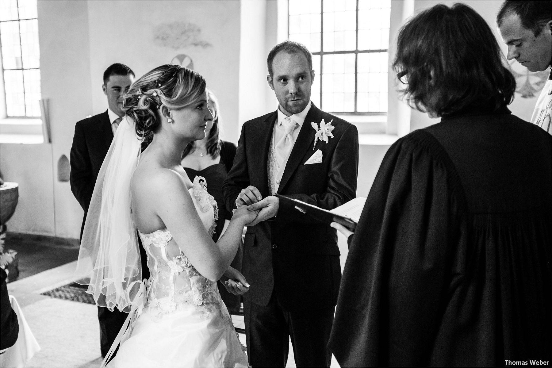 Hochzeitsfotograf Papenburg: Standesamtliche Trauung auf der Burg Kniphausen und Feier im Le Patron am Meer (42)