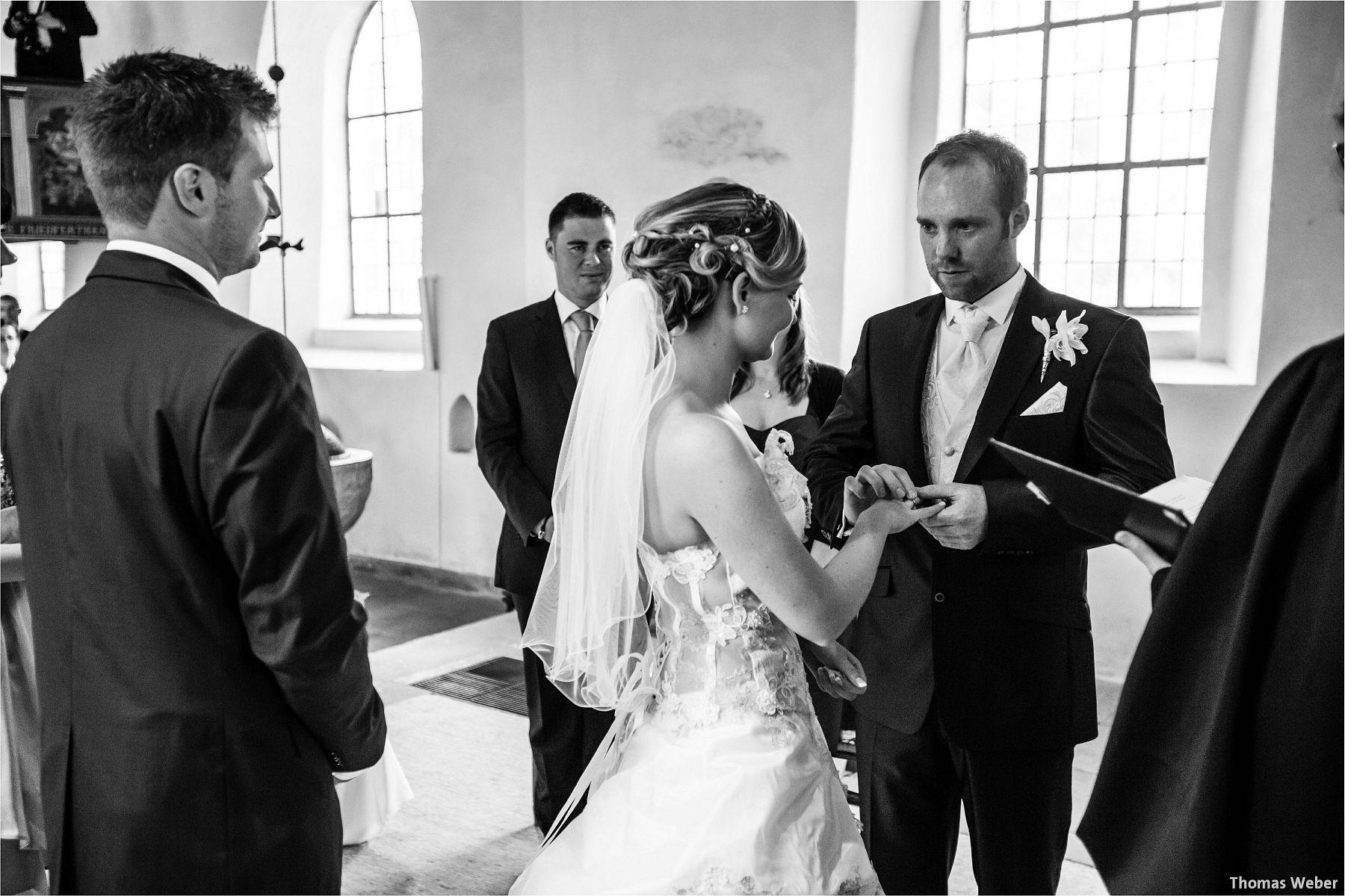 Hochzeitsfotograf Papenburg: Standesamtliche Trauung auf der Burg Kniphausen und Feier im Le Patron am Meer (43)