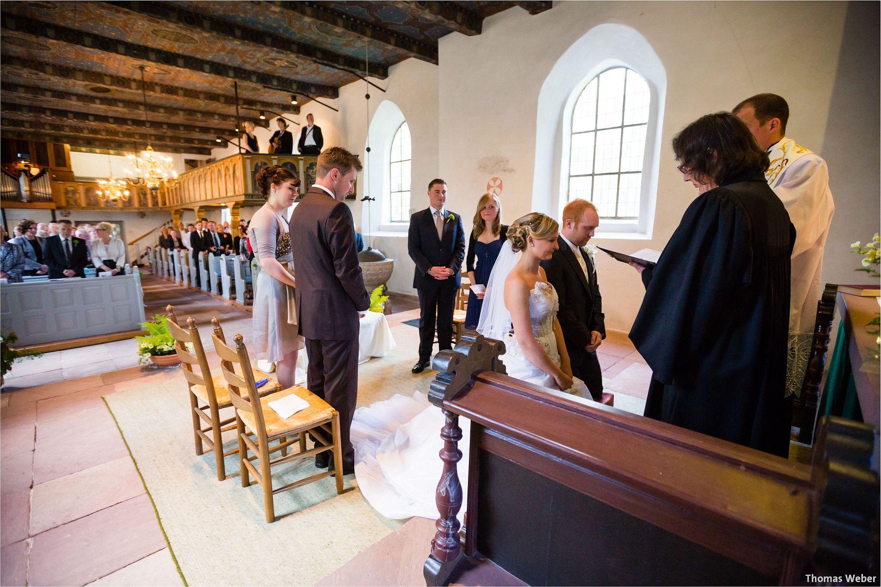 Hochzeitsfotograf Papenburg: Standesamtliche Trauung auf der Burg Kniphausen und Feier im Le Patron am Meer (45)