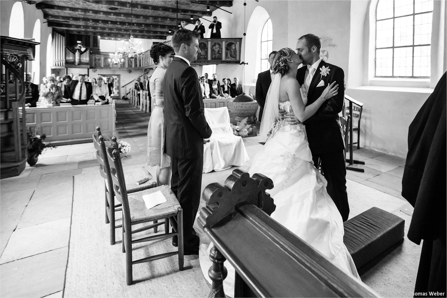 Hochzeitsfotograf Papenburg: Standesamtliche Trauung auf der Burg Kniphausen und Feier im Le Patron am Meer (46)