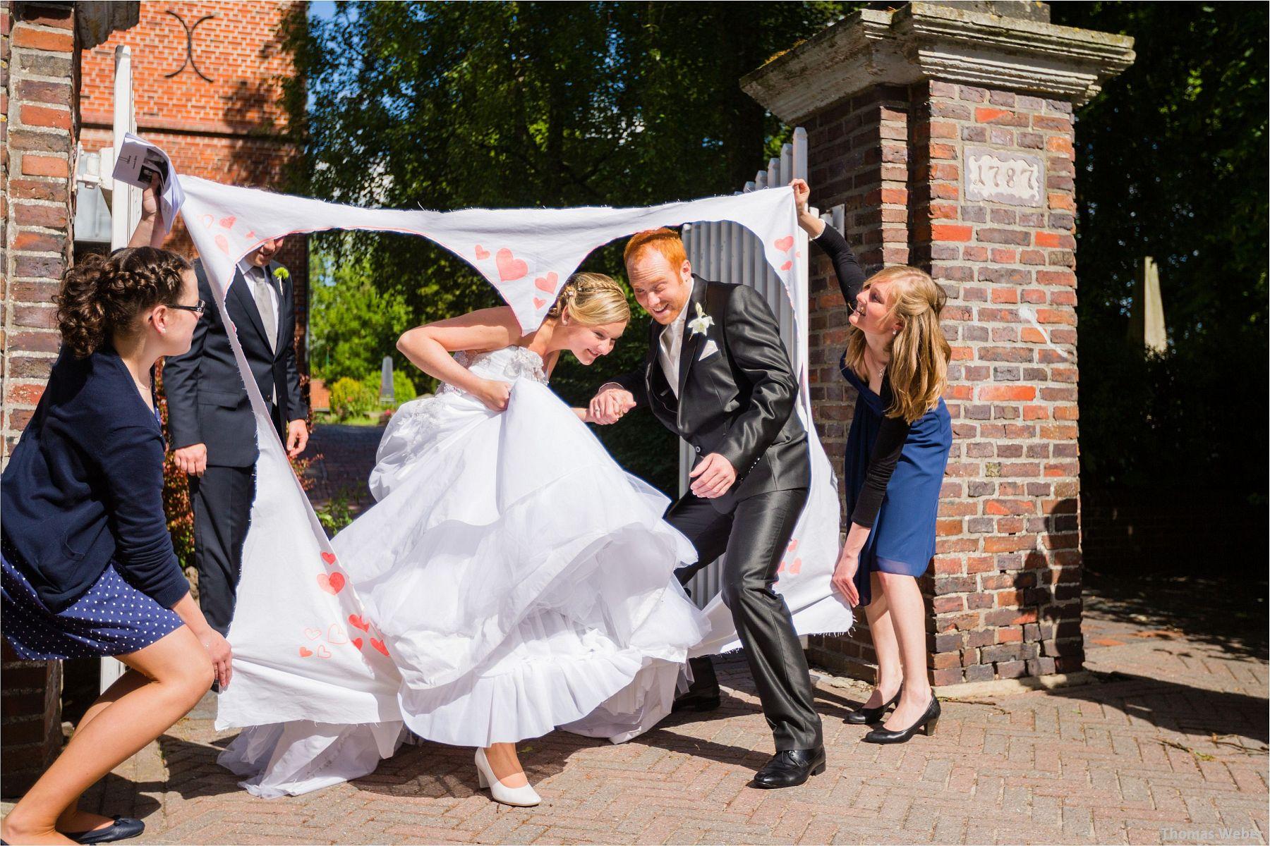 Hochzeitsfotograf Papenburg: Standesamtliche Trauung auf der Burg Kniphausen und Feier im Le Patron am Meer (48)