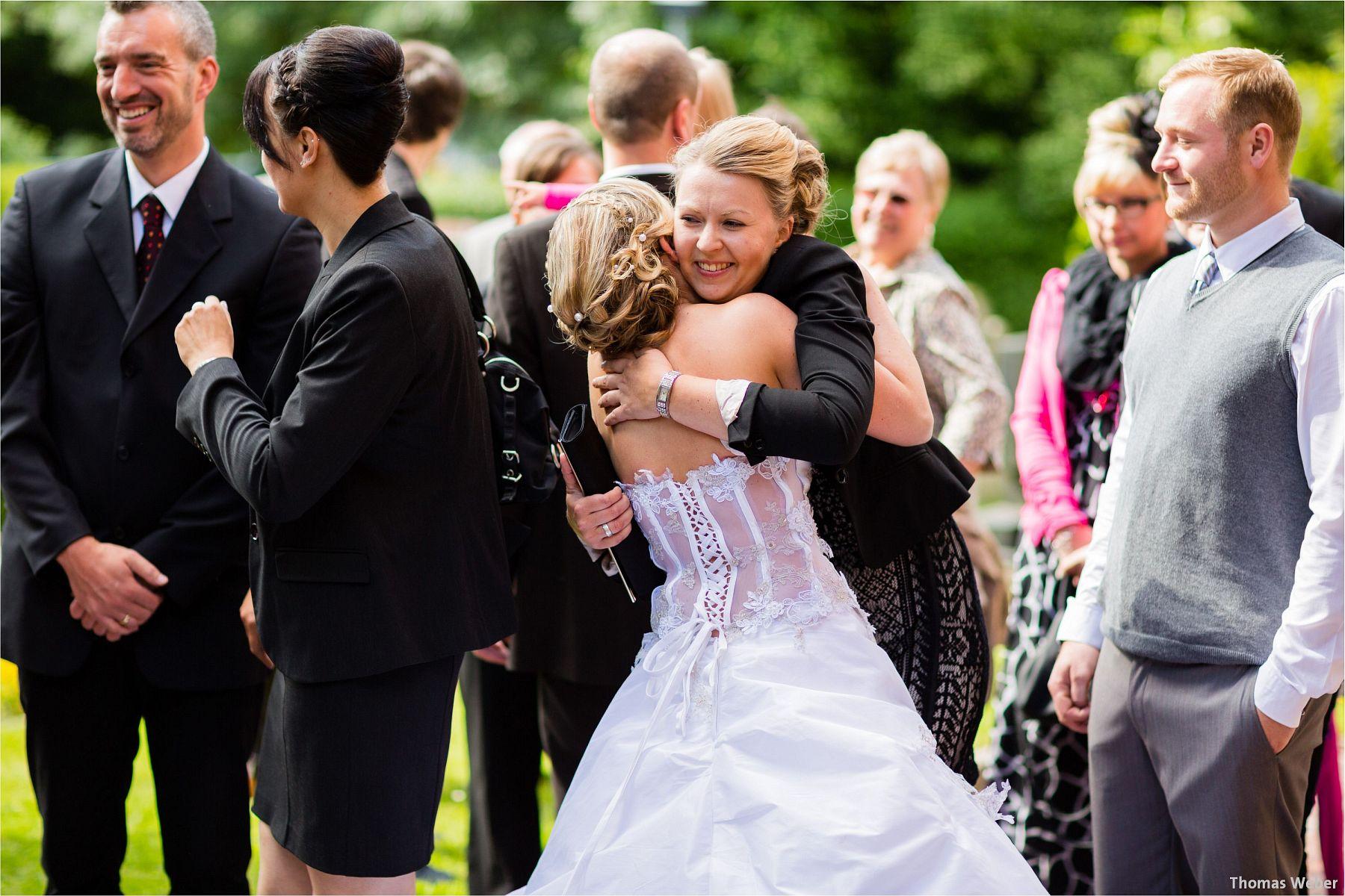 Hochzeitsfotograf Papenburg: Standesamtliche Trauung auf der Burg Kniphausen und Feier im Le Patron am Meer (49)