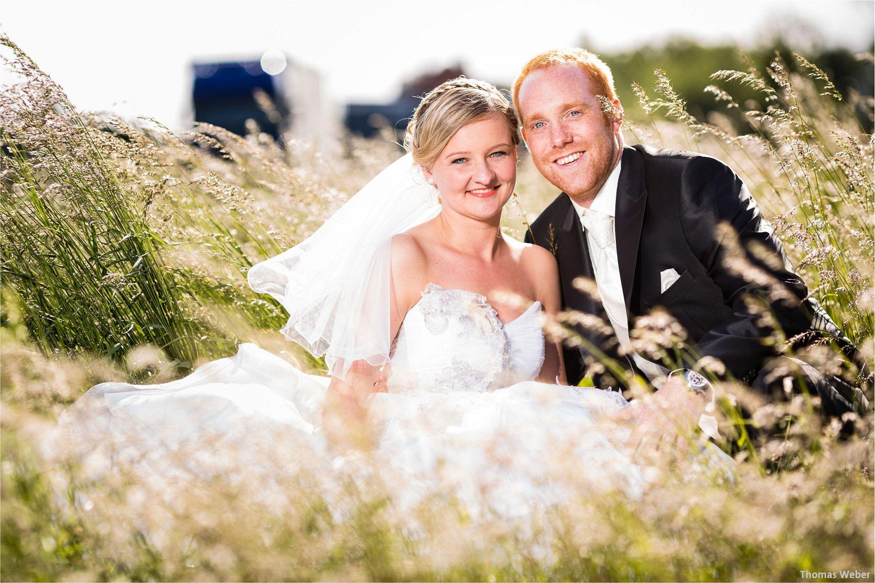 Hochzeitsfotograf Papenburg: Standesamtliche Trauung auf der Burg Kniphausen und Feier im Le Patron am Meer (56)