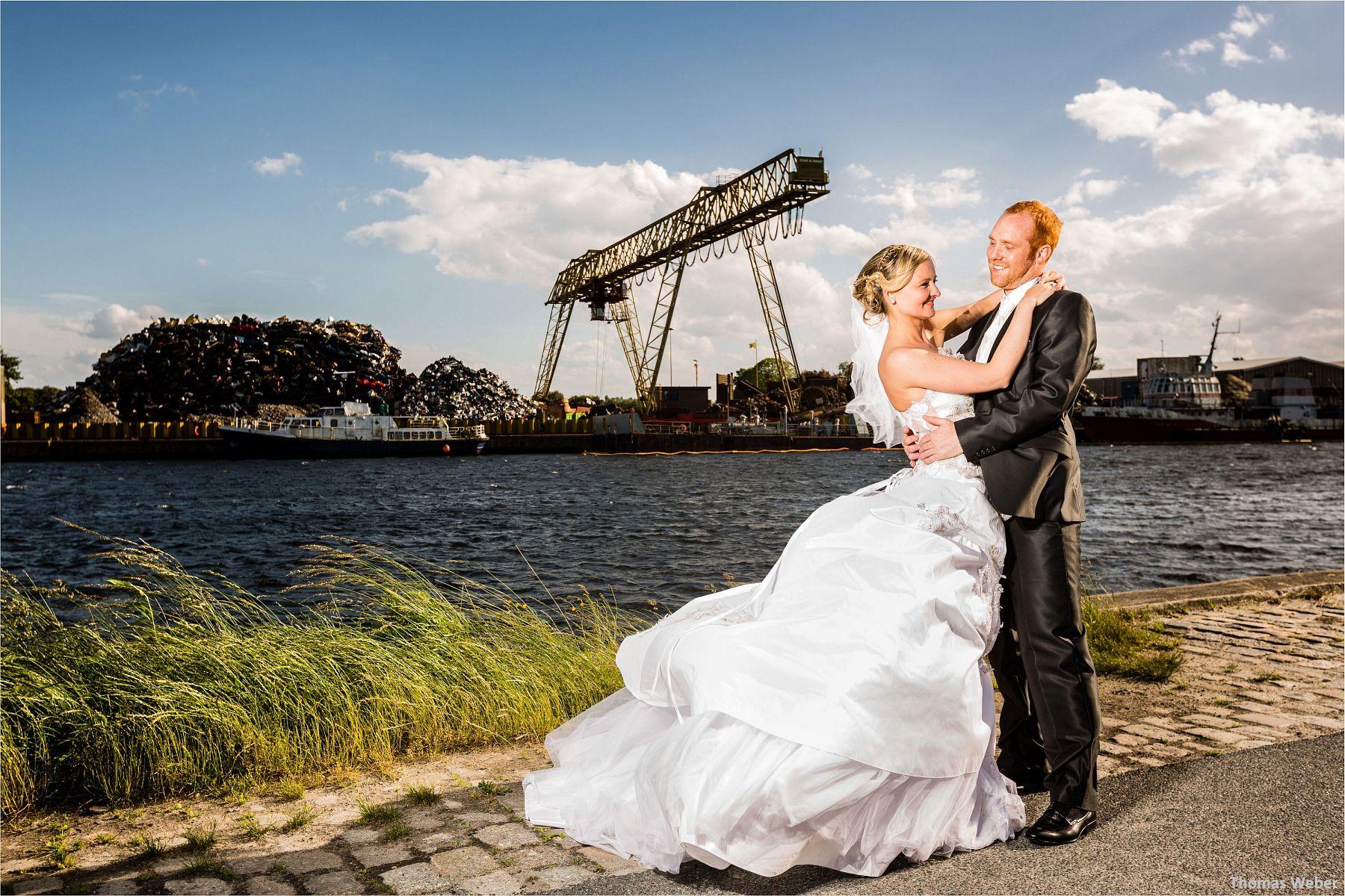 Hochzeitsfotograf Papenburg: Standesamtliche Trauung auf der Burg Kniphausen und Feier im Le Patron am Meer (57)