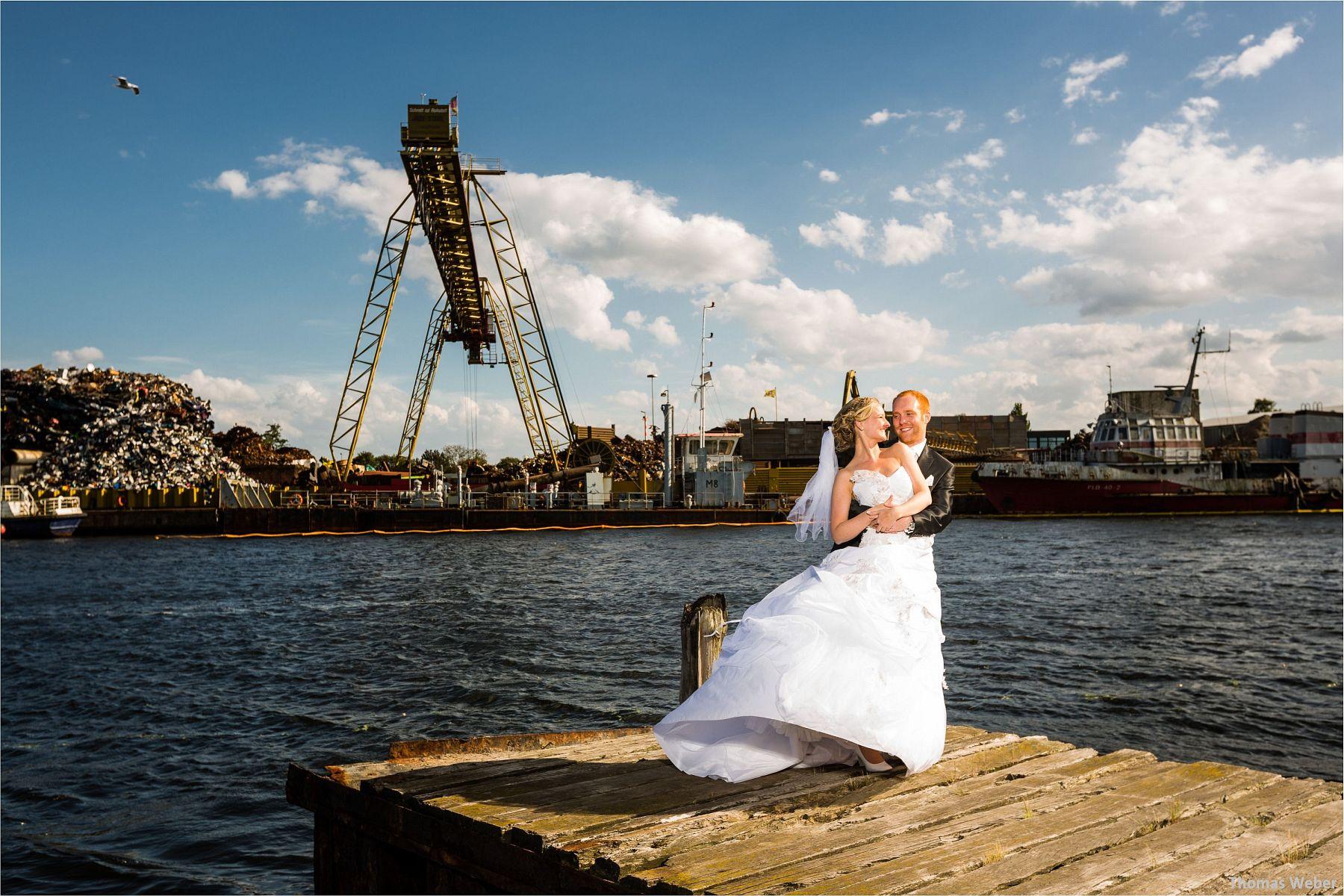 Hochzeitsfotograf Papenburg: Standesamtliche Trauung auf der Burg Kniphausen und Feier im Le Patron am Meer (59)