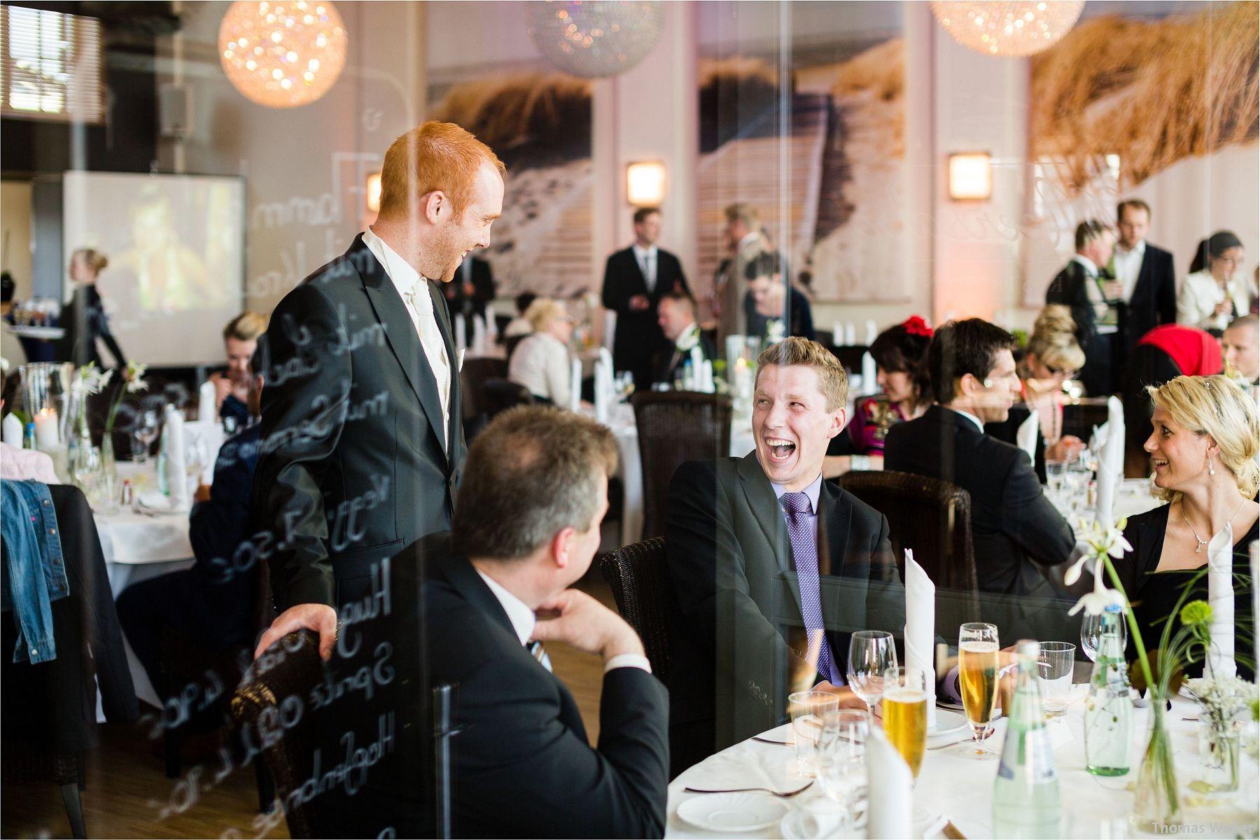 Hochzeitsfotograf Papenburg: Standesamtliche Trauung auf der Burg Kniphausen und Feier im Le Patron am Meer (66)