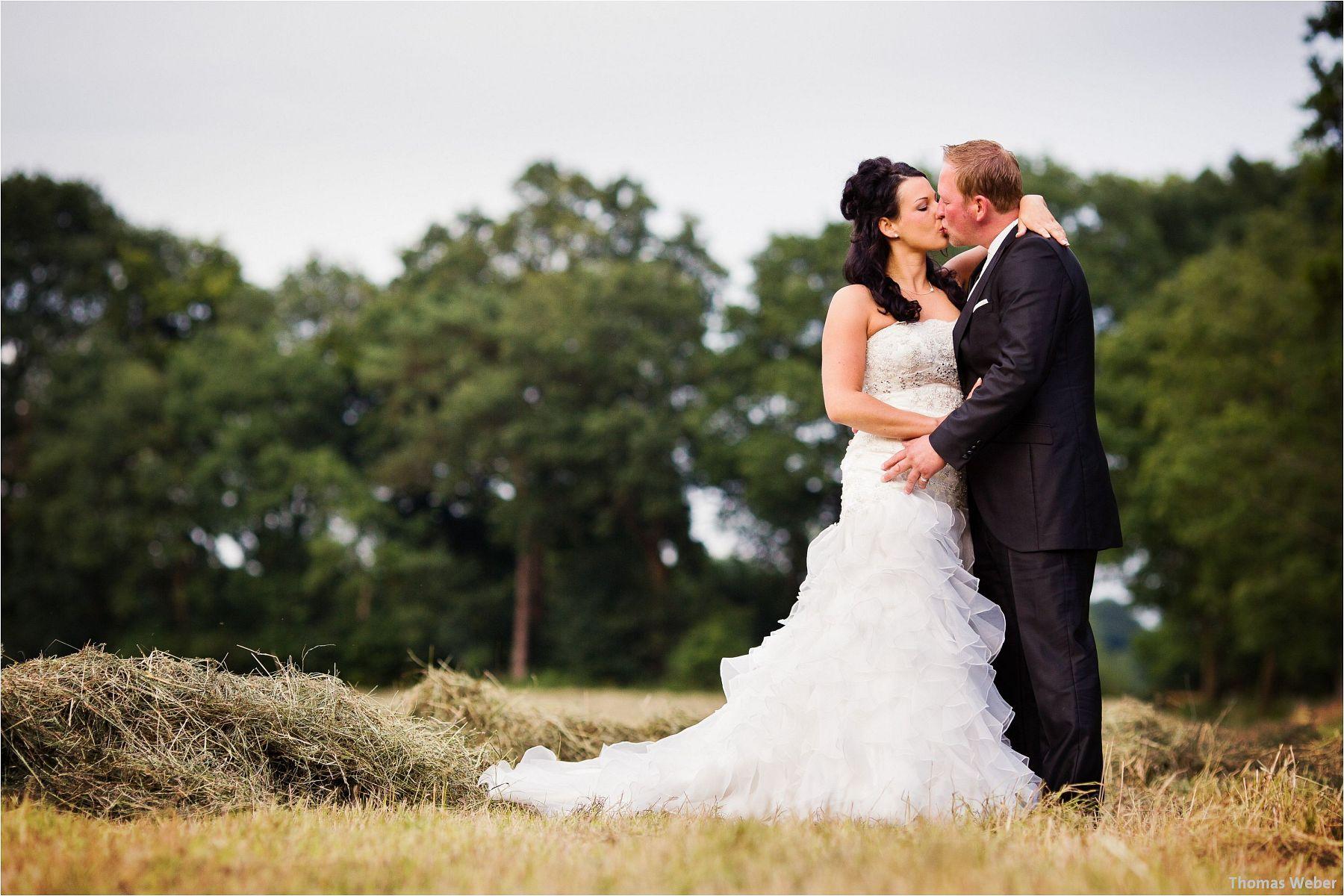 Hochzeitsfotograf Oldenburg: Hochzeitsportraits bei einem After Wedding Shooting am Nordsee-Strand von Dangast/Varel bei Sonnenuntergang (3)