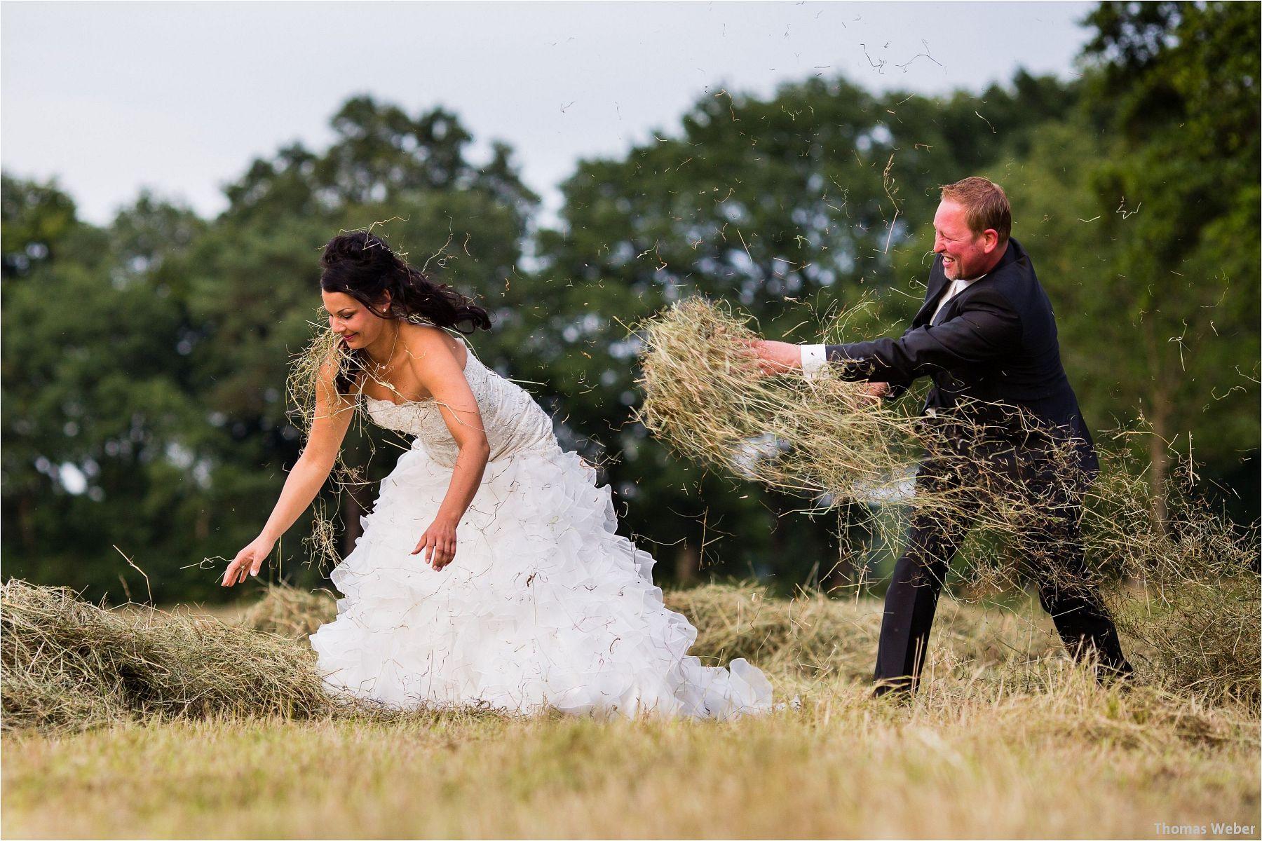 Hochzeitsfotograf Oldenburg: Hochzeitsportraits bei einem After Wedding Shooting am Nordsee-Strand von Dangast/Varel bei Sonnenuntergang (4)