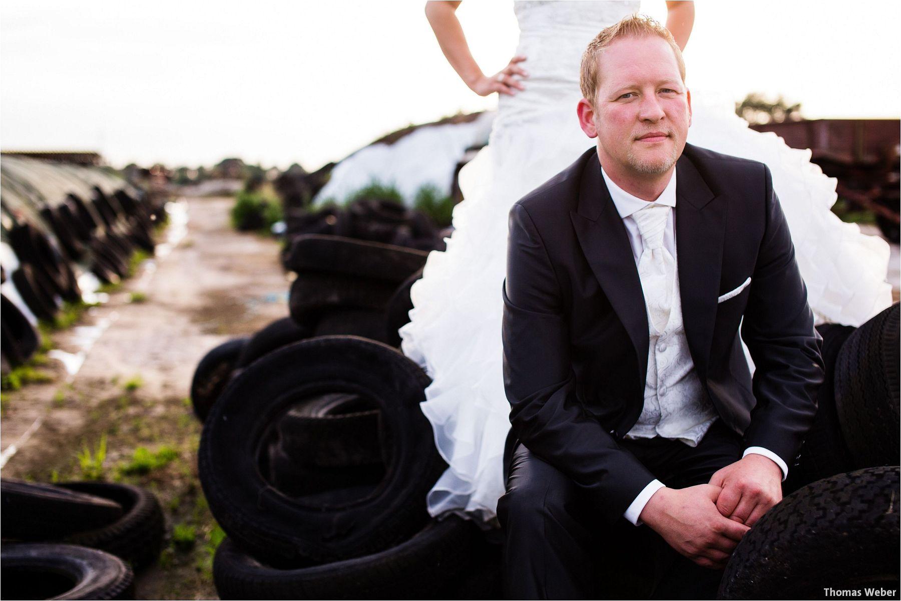 Hochzeitsfotograf Oldenburg: Hochzeitsportraits bei einem After Wedding Shooting am Nordsee-Strand von Dangast/Varel bei Sonnenuntergang (8)