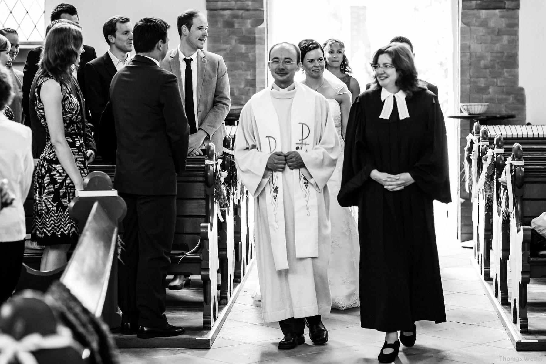 Hochzeitsfotograf Oldenburg: Kirchliche Trauung in der Garnisonkirche Oldenburg und Feier im Landhaus Etzhorn Oldenburg (3)