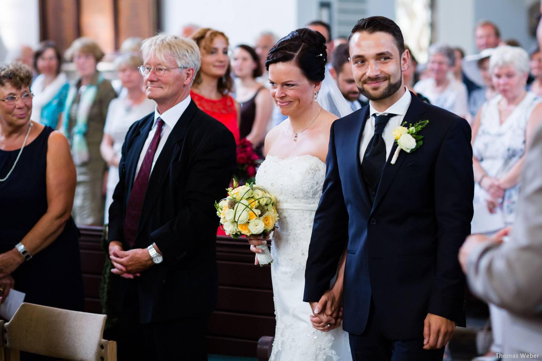 Hochzeitsfotograf Oldenburg: Kirchliche Trauung in der Garnisonkirche Oldenburg und Feier im Landhaus Etzhorn Oldenburg (4)