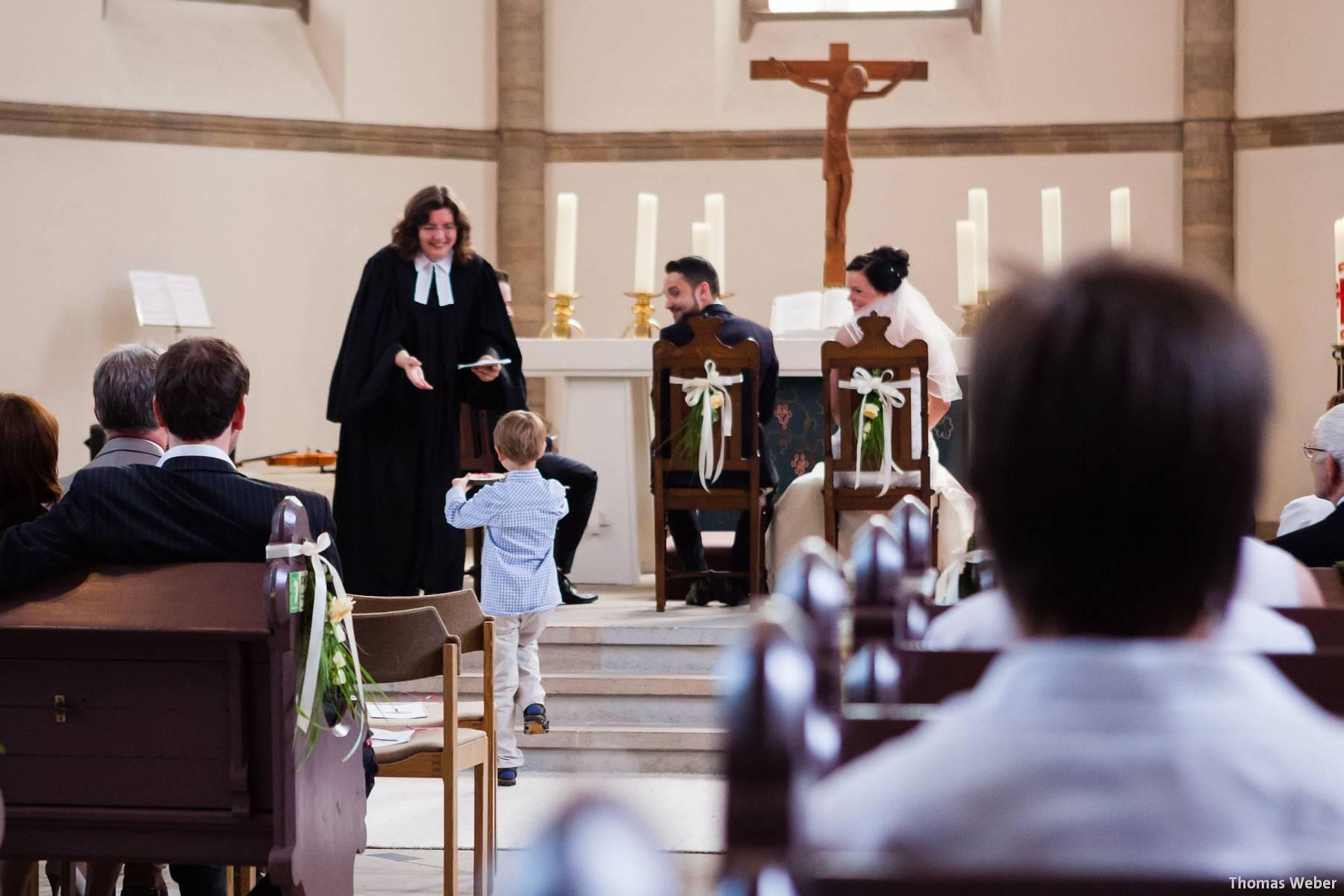 Hochzeitsfotograf Oldenburg: Kirchliche Trauung in der Garnisonkirche Oldenburg und Feier im Landhaus Etzhorn Oldenburg (5)