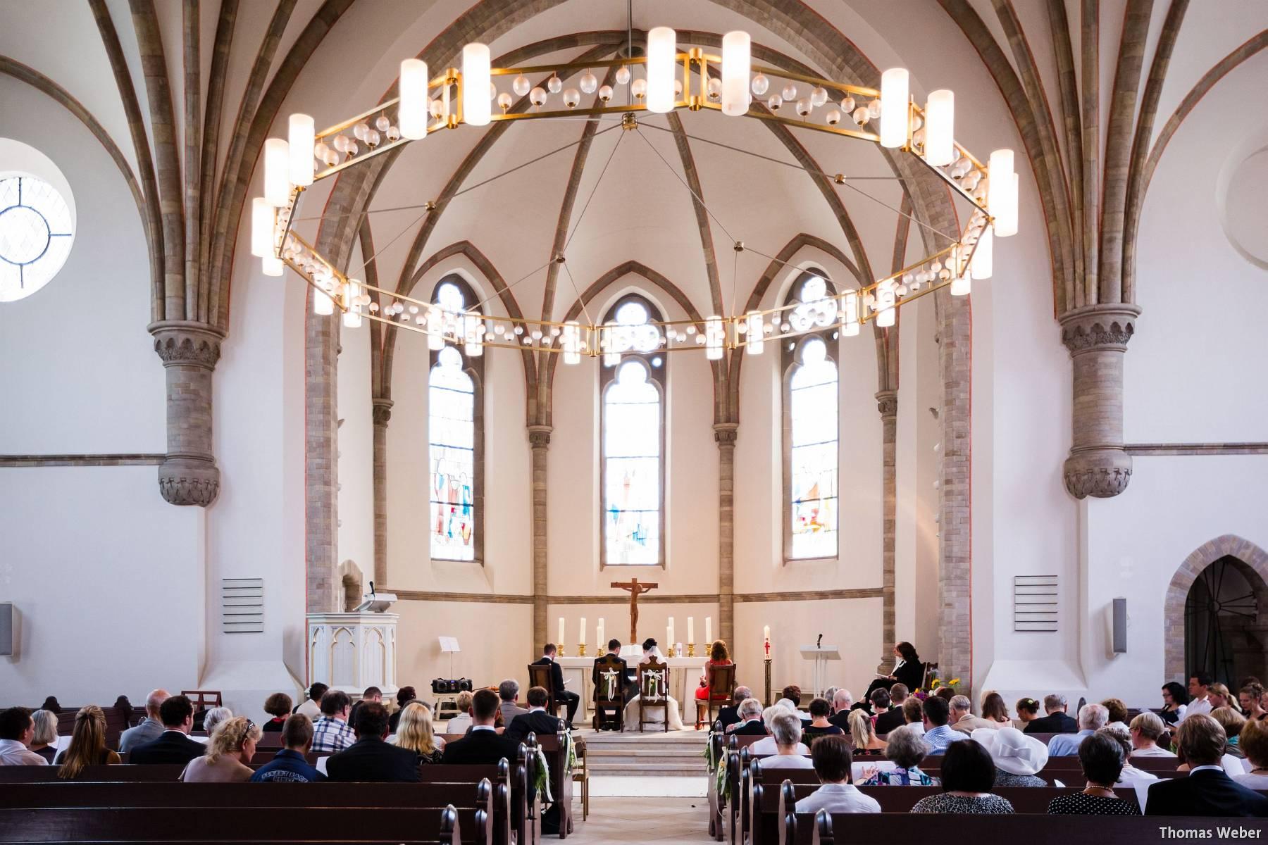 Hochzeitsfotograf Oldenburg: Kirchliche Trauung in der Garnisonkirche Oldenburg und Feier im Landhaus Etzhorn Oldenburg (8)