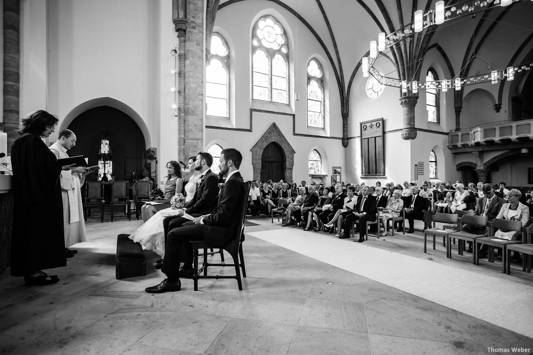 Hochzeitsfotograf Oldenburg: Kirchliche Trauung in der Garnisonkirche Oldenburg und Feier im Landhaus Etzhorn Oldenburg (10)