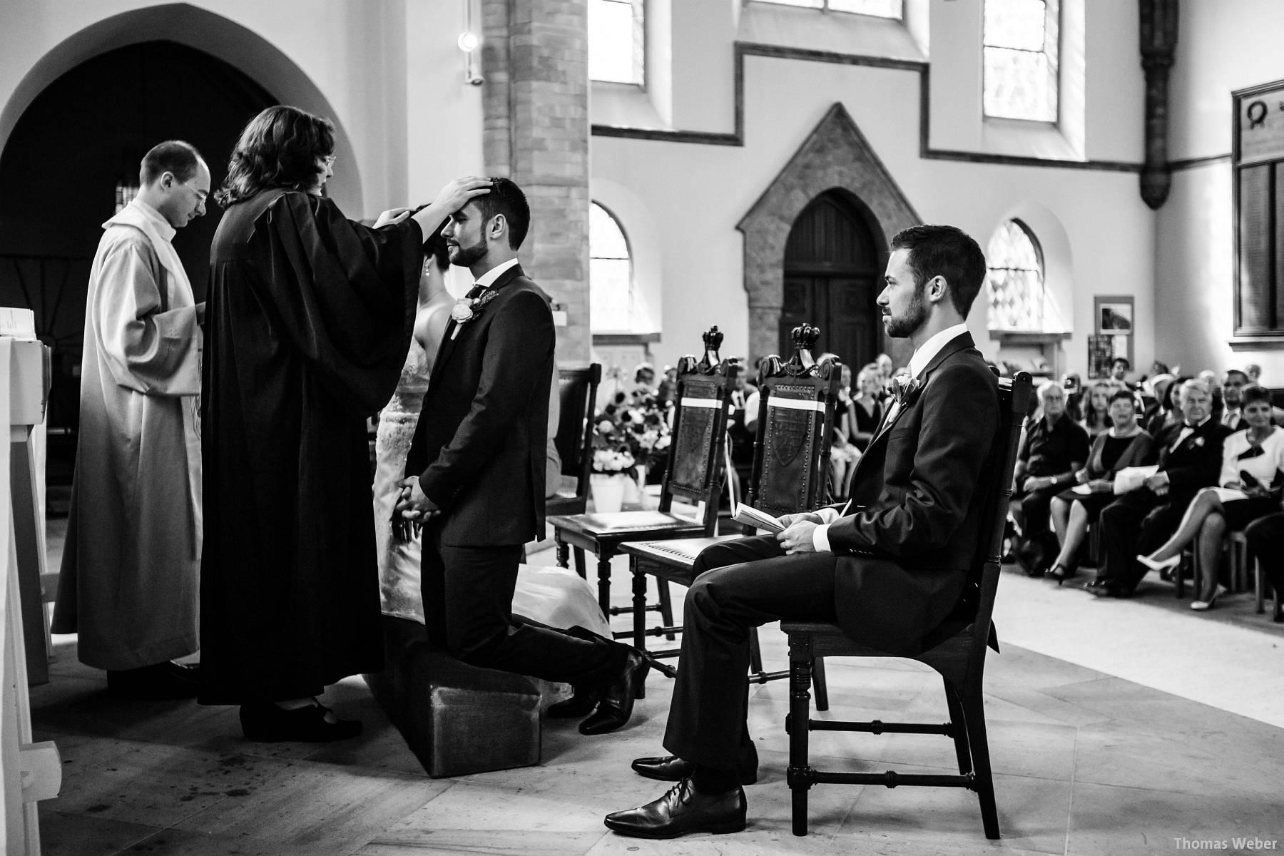 Hochzeitsfotograf Oldenburg: Kirchliche Trauung in der Garnisonkirche Oldenburg und Feier im Landhaus Etzhorn Oldenburg (14)