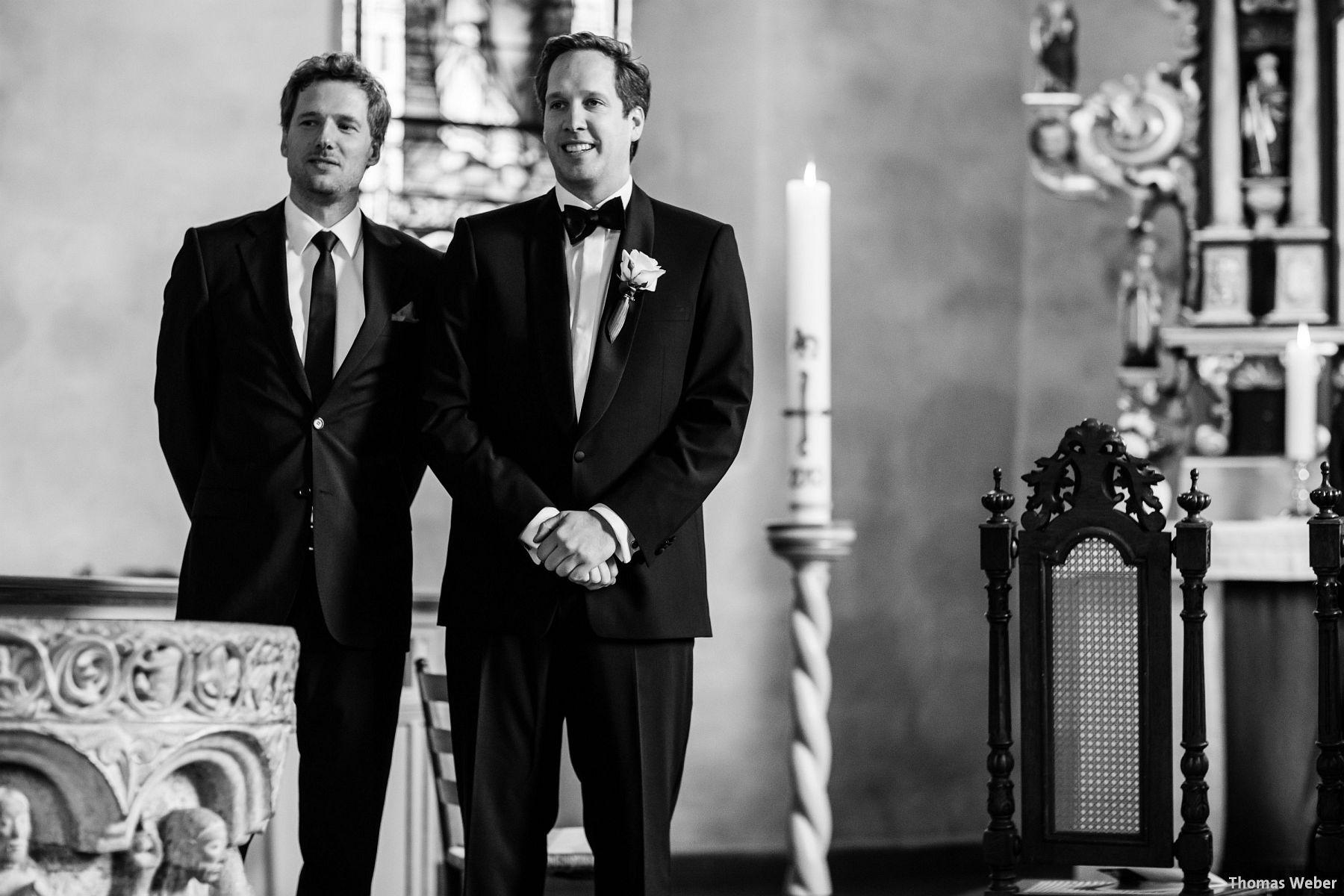Hochzeitsfotograf Rastede: Kirchliche Trauung in der St. Ulrichs Kirche Rastede und Hochzeitsfeier in der Eventscheune St Georg Rastede mit dem Catering von Michael Niebuhr aus Oldenburg (16)