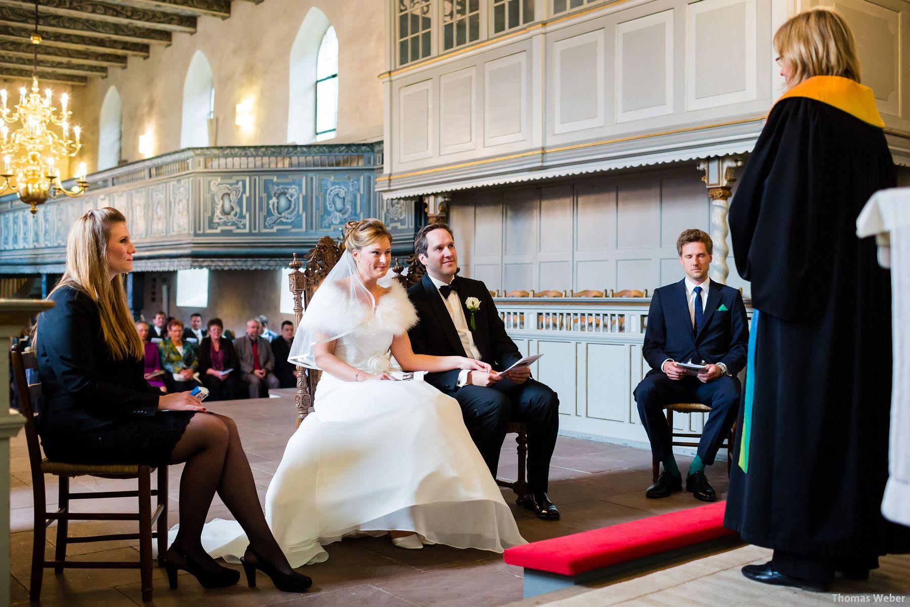 Hochzeitsfotograf Rastede: Kirchliche Trauung in der St. Ulrichs Kirche Rastede und Hochzeitsfeier in der Eventscheune St Georg Rastede mit dem Catering von Michael Niebuhr aus Oldenburg (18)