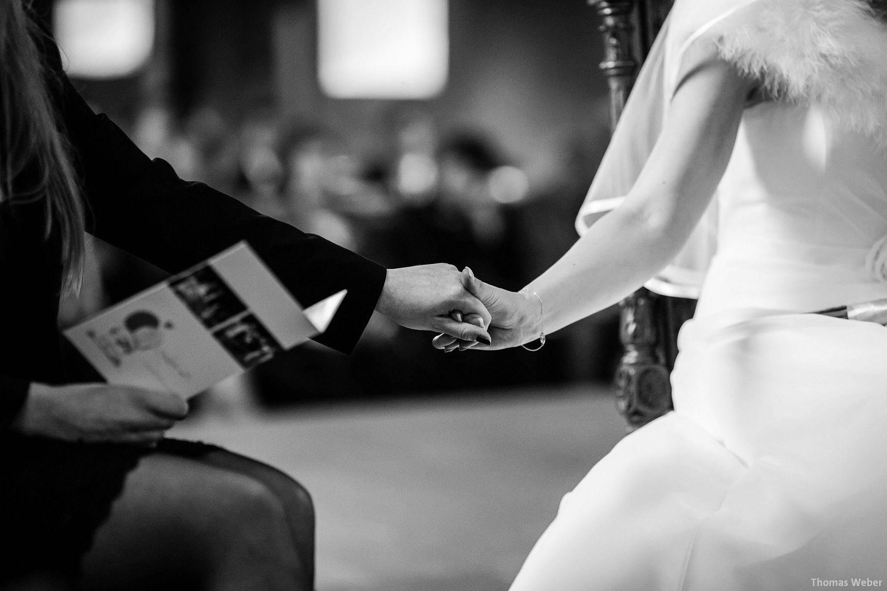 Hochzeitsfotograf Rastede: Kirchliche Trauung in der St. Ulrichs Kirche Rastede und Hochzeitsfeier in der Eventscheune St Georg Rastede mit dem Catering von Michael Niebuhr aus Oldenburg (20)