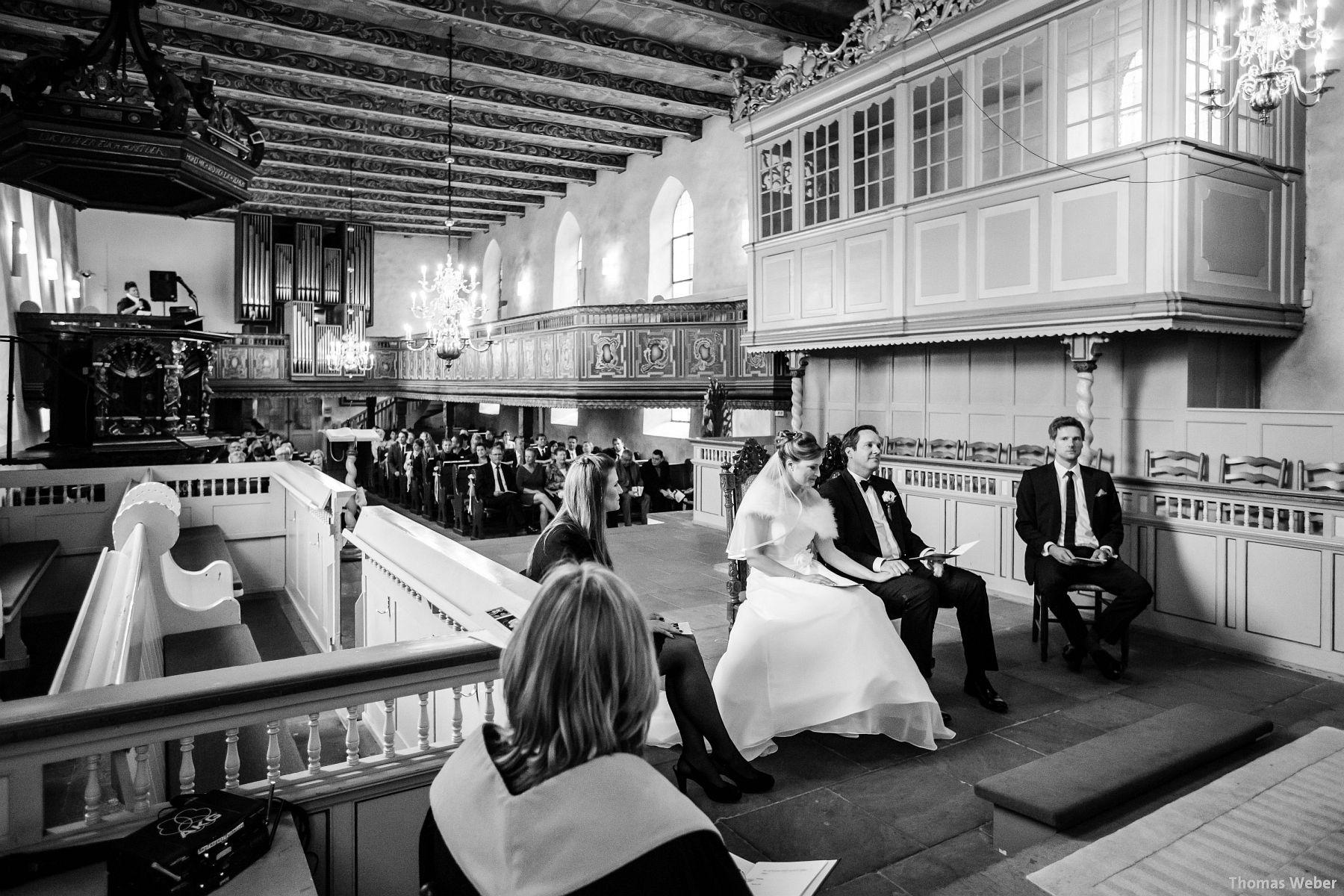 Hochzeitsfotograf Rastede: Kirchliche Trauung in der St. Ulrichs Kirche Rastede und Hochzeitsfeier in der Eventscheune St Georg Rastede mit dem Catering von Michael Niebuhr aus Oldenburg (23)