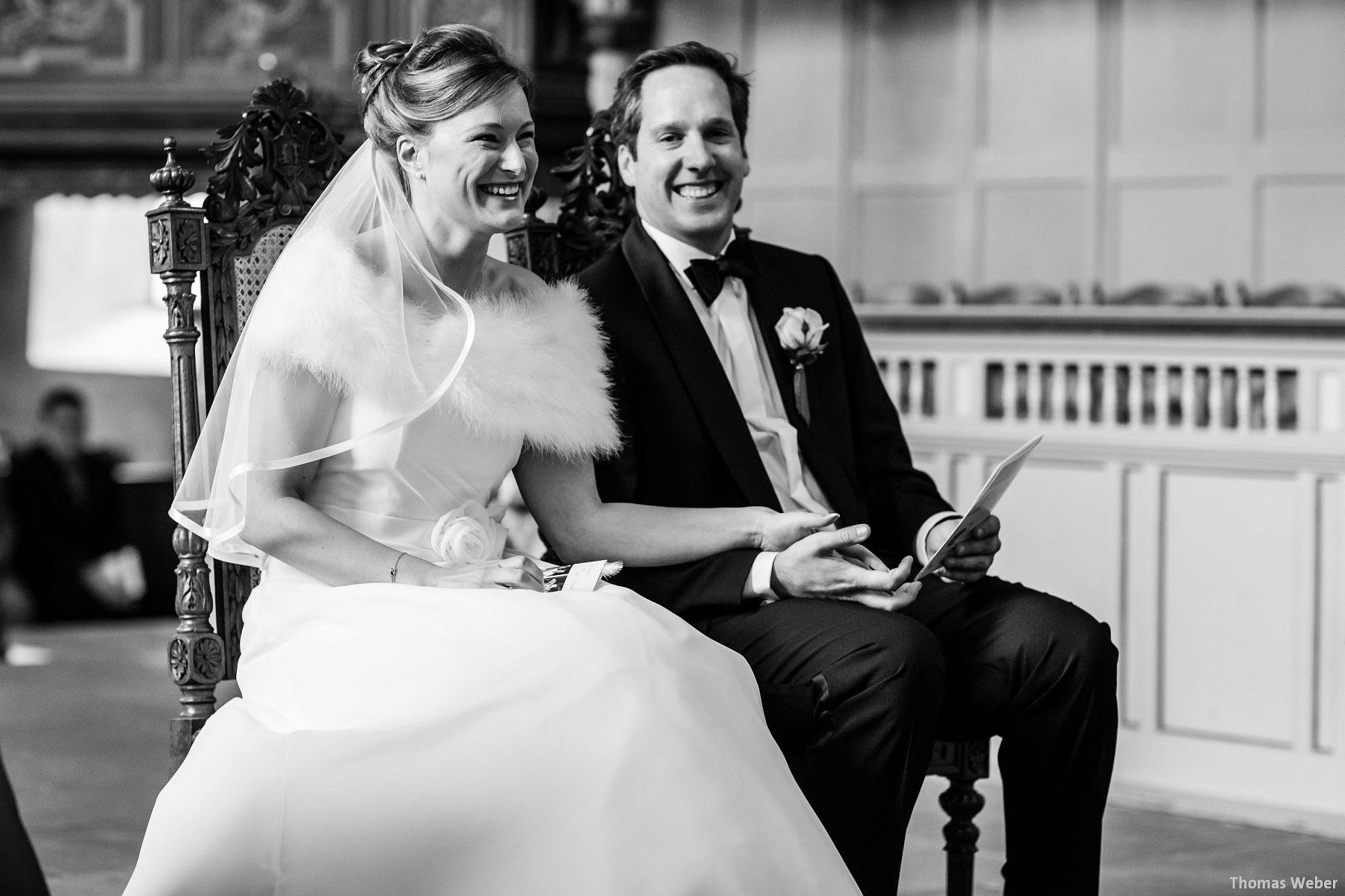 Hochzeitsfotograf Rastede: Kirchliche Trauung in der St. Ulrichs Kirche Rastede und Hochzeitsfeier in der Eventscheune St Georg Rastede mit dem Catering von Michael Niebuhr aus Oldenburg (25)