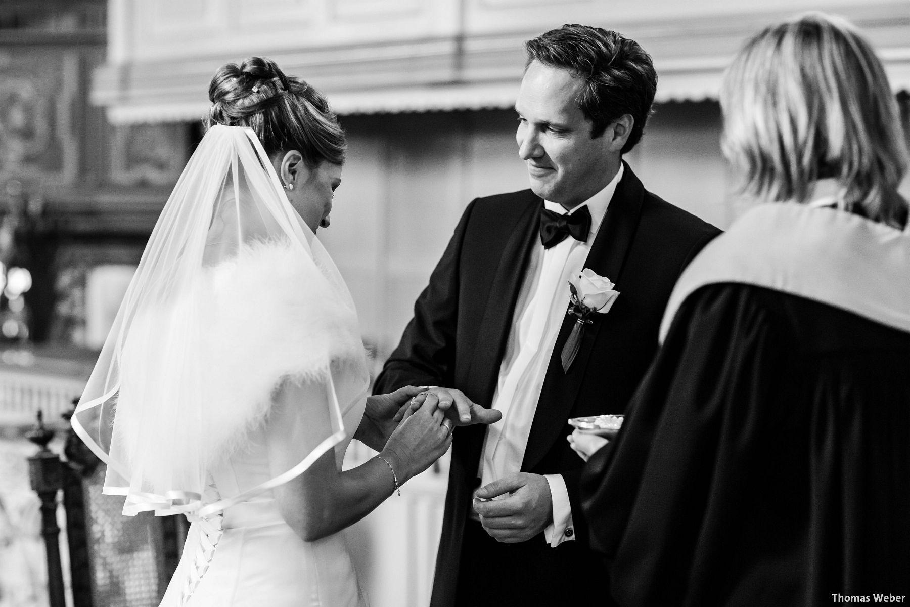 Hochzeitsfotograf Rastede: Kirchliche Trauung in der St. Ulrichs Kirche Rastede und Hochzeitsfeier in der Eventscheune St Georg Rastede mit dem Catering von Split Food (Michael Niebuhr) aus Oldenburg (27)