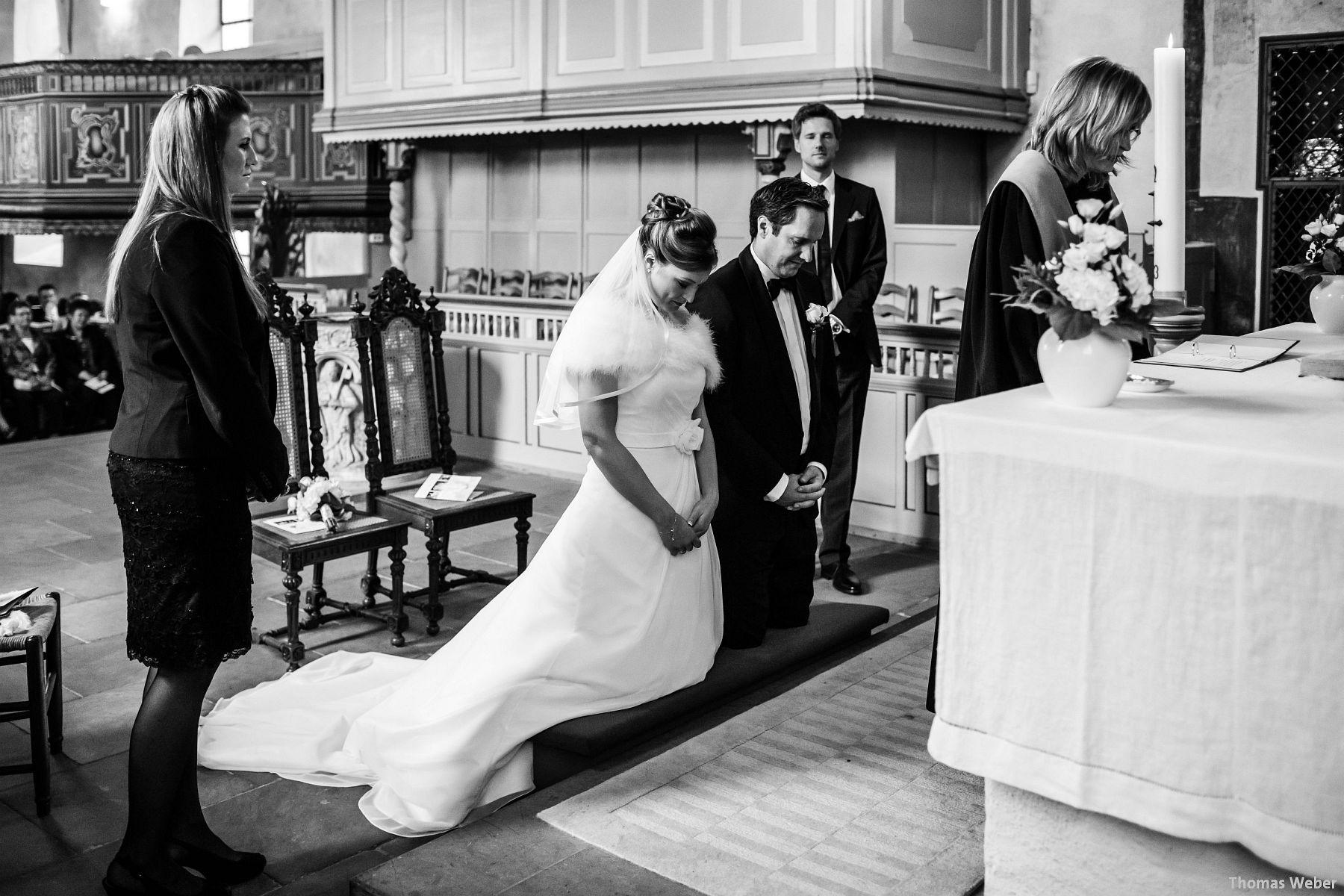 Hochzeitsfotograf Rastede: Kirchliche Trauung in der St. Ulrichs Kirche Rastede und Hochzeitsfeier in der Eventscheune St Georg Rastede mit dem Catering von Michael Niebuhr aus Oldenburg (29)