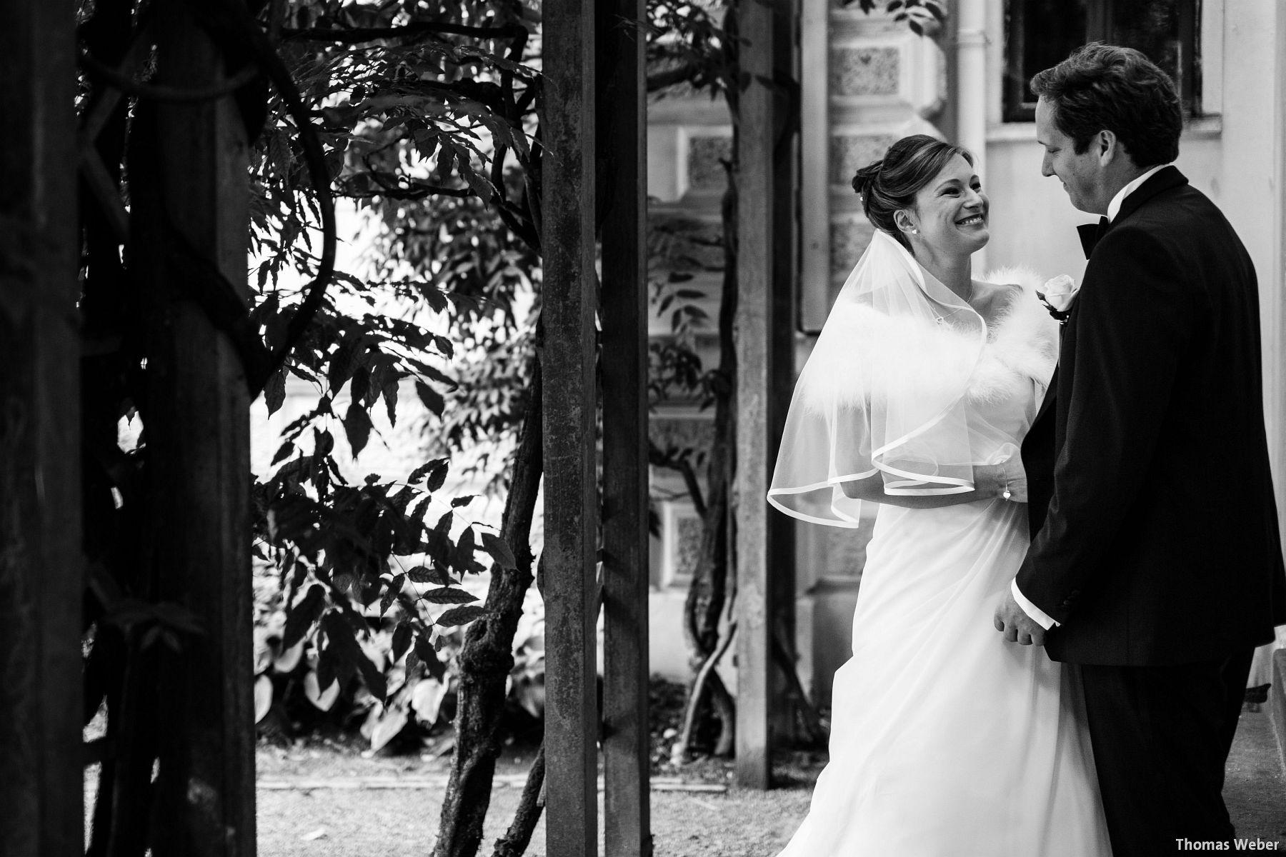 Hochzeitsfotograf Rastede: Kirchliche Trauung in der St. Ulrichs Kirche Rastede und Hochzeitsfeier in der Eventscheune St Georg Rastede mit dem Catering von Michael Niebuhr aus Oldenburg (38)