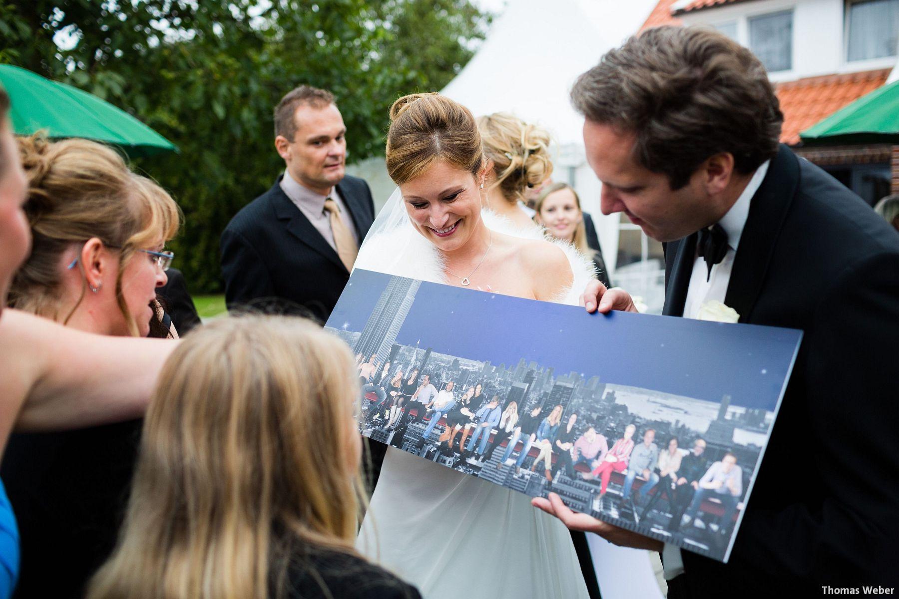 Hochzeitsfotograf Rastede: Kirchliche Trauung in der St. Ulrichs Kirche Rastede und Hochzeitsfeier in der Eventscheune St Georg Rastede mit dem Catering von Michael Niebuhr aus Oldenburg (42)