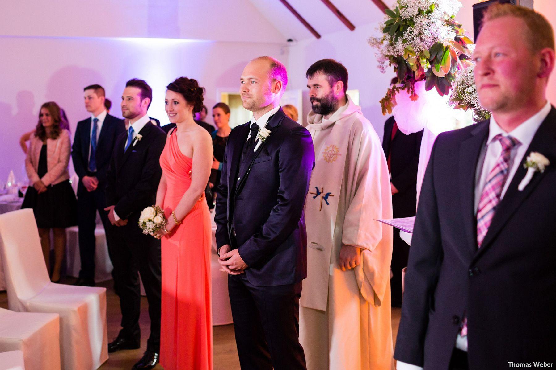 Hochzeitsfotograf Oldenburg: Hochzeit in der Eventscheune St. Georg in Rastede (42)