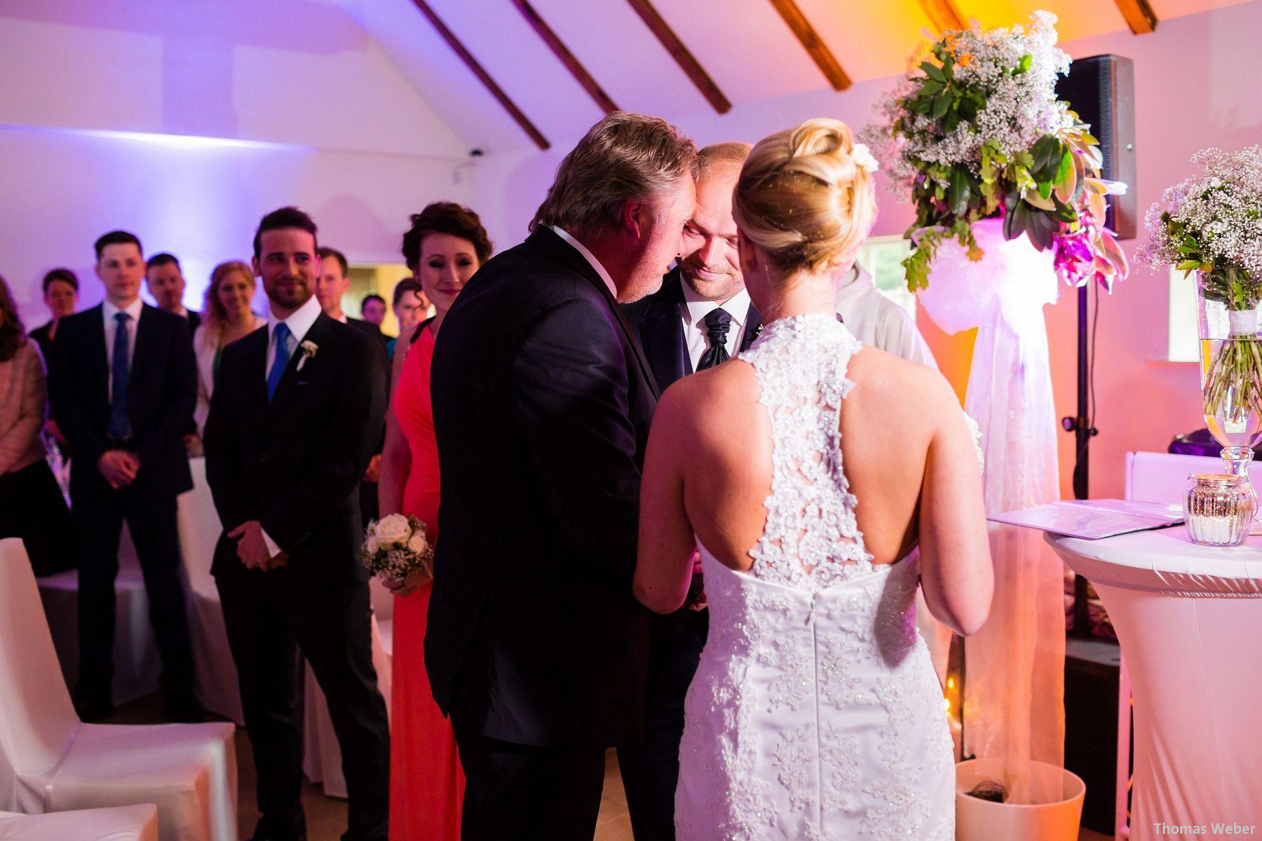 Hochzeitsfotograf Oldenburg: Hochzeit in der Eventscheune St. Georg in Rastede (45)