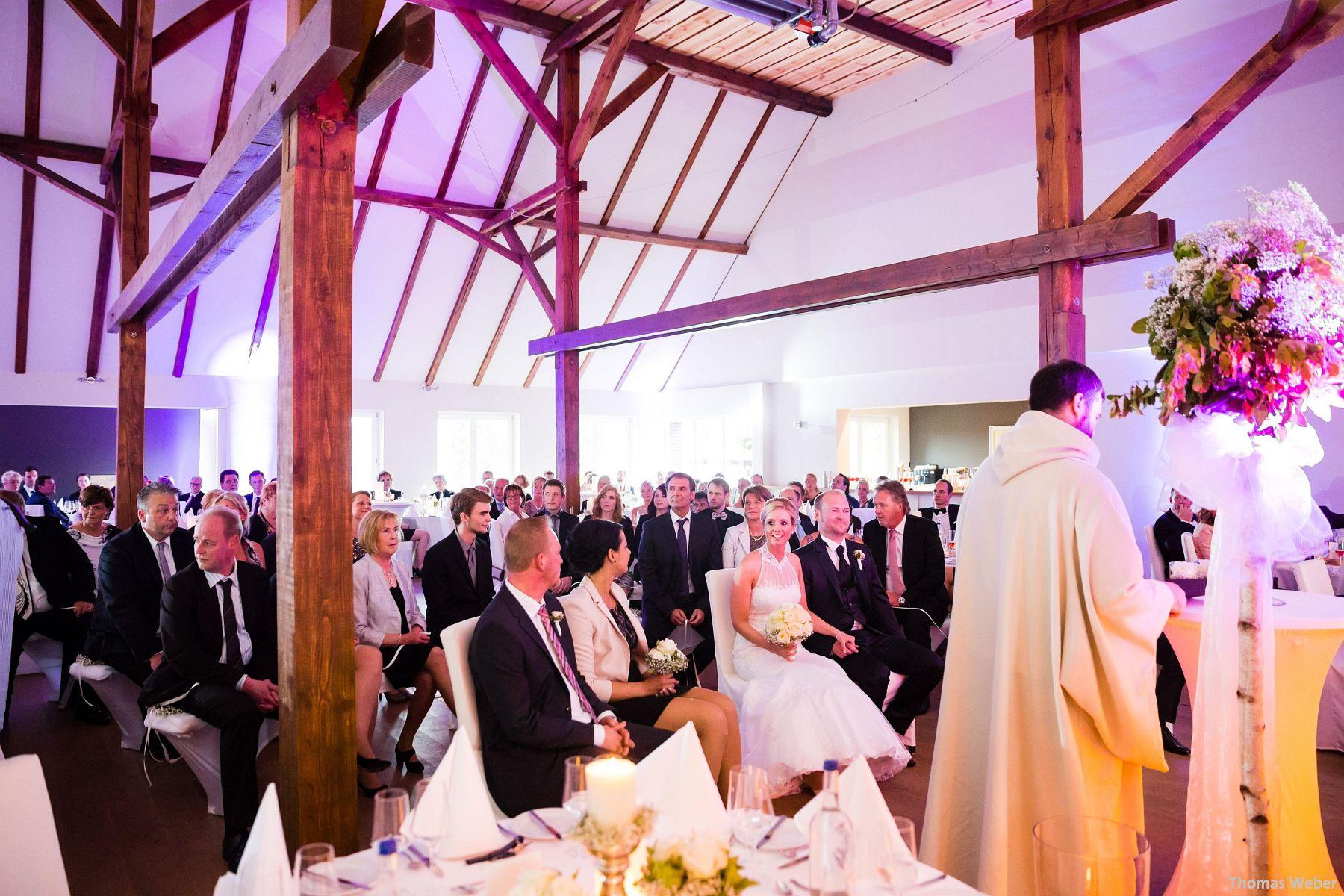 Hochzeitsfotograf Oldenburg: Hochzeit in der Eventscheune St. Georg in Rastede (46)