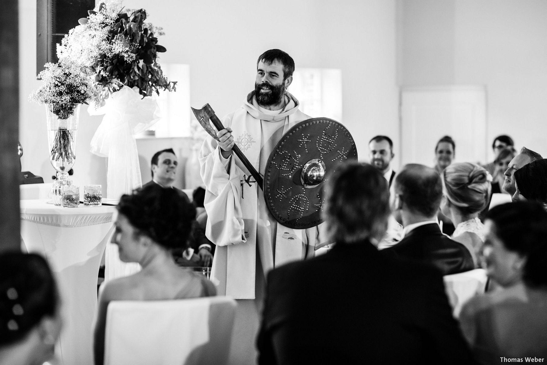 Hochzeitsfotograf Oldenburg: Hochzeit in der Eventscheune St. Georg in Rastede (48)