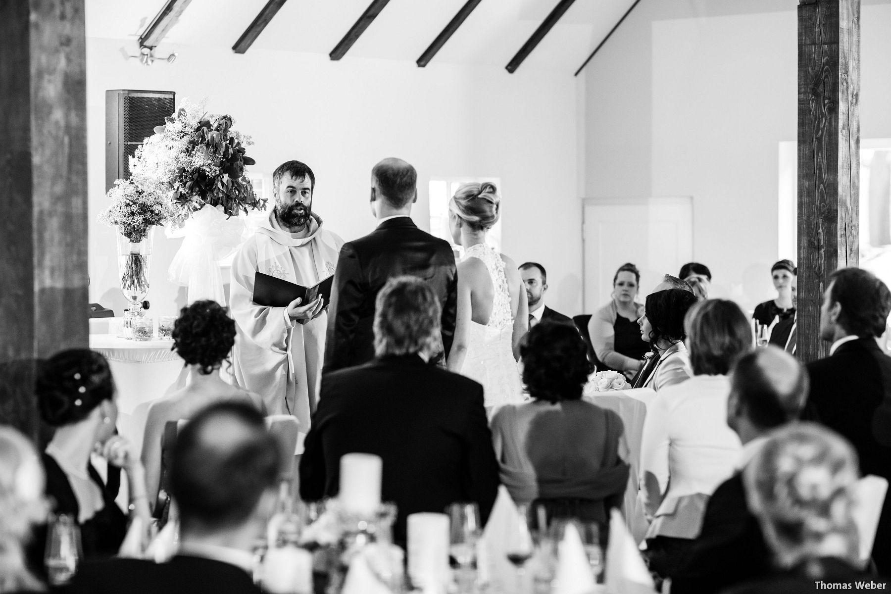 Hochzeitsfotograf Oldenburg: Hochzeit in der Eventscheune St. Georg in Rastede (53)