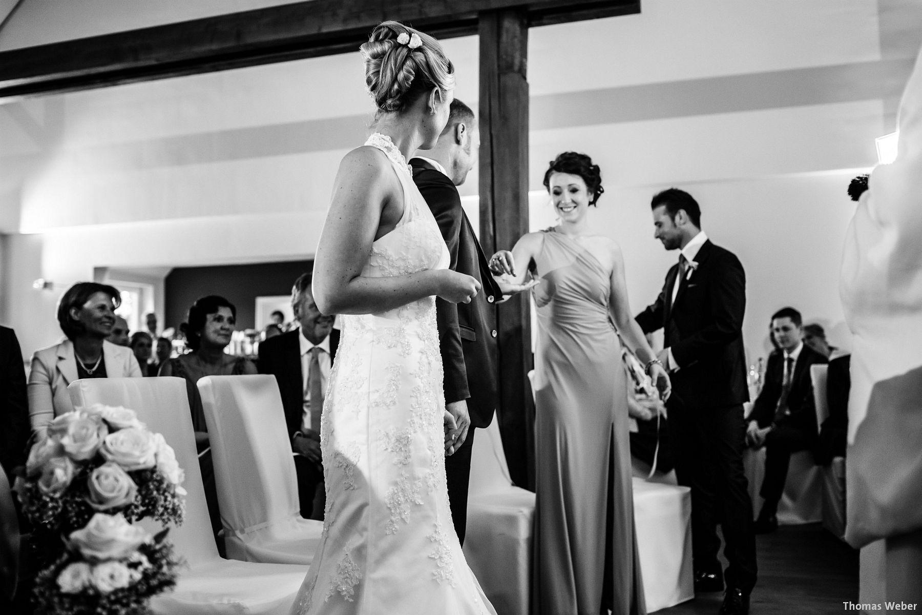 Hochzeitsfotograf Oldenburg: Hochzeit in der Eventscheune St. Georg in Rastede (55)