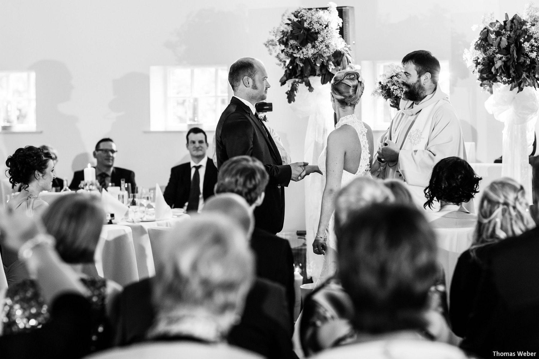 Hochzeitsfotograf Oldenburg: Hochzeit in der Eventscheune St. Georg in Rastede (57)