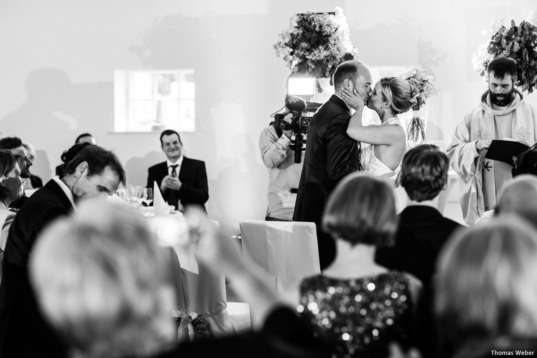 Hochzeitsfotograf Oldenburg: Hochzeit in der Eventscheune St. Georg in Rastede (58)