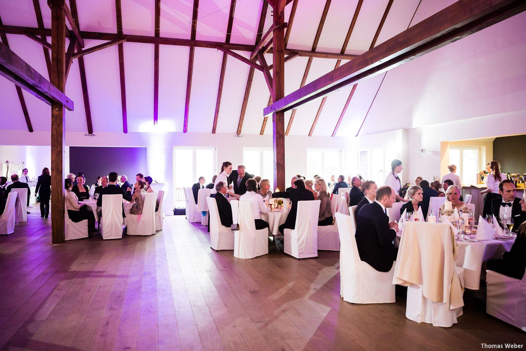 Hochzeitsfotograf Oldenburg: Hochzeit in der Eventscheune St. Georg in Rastede (63)