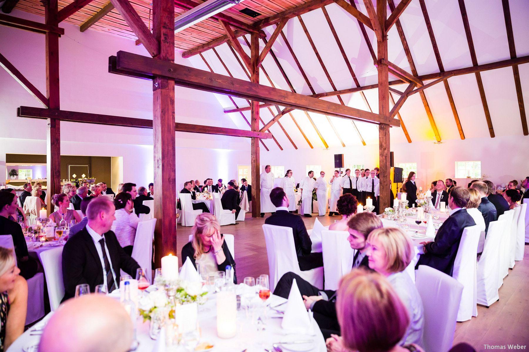 Hochzeitsfotograf Oldenburg: Hochzeit in der Eventscheune St. Georg in Rastede (68)
