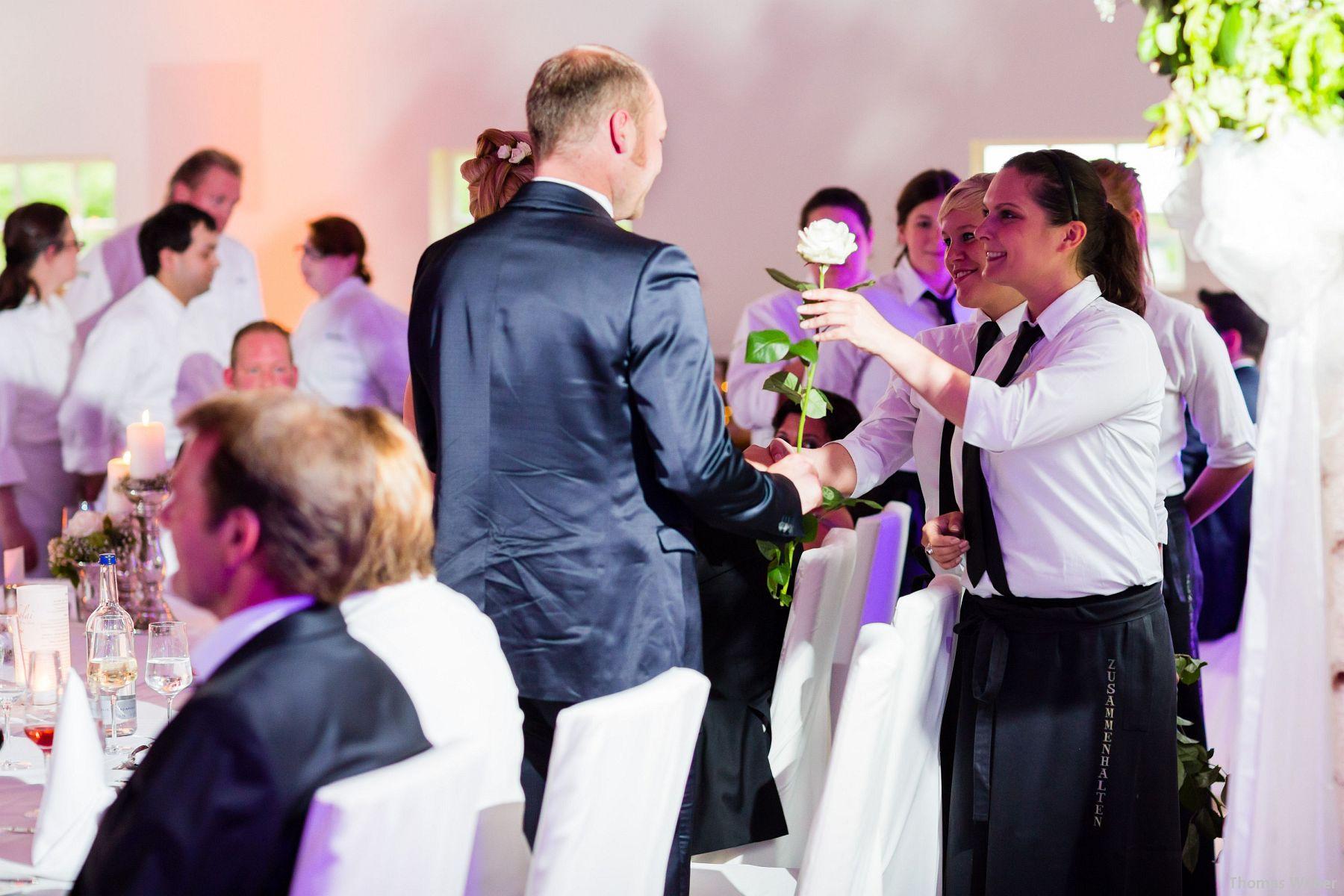 Hochzeitsfotograf Oldenburg: Hochzeit in der Eventscheune St. Georg in Rastede (69)