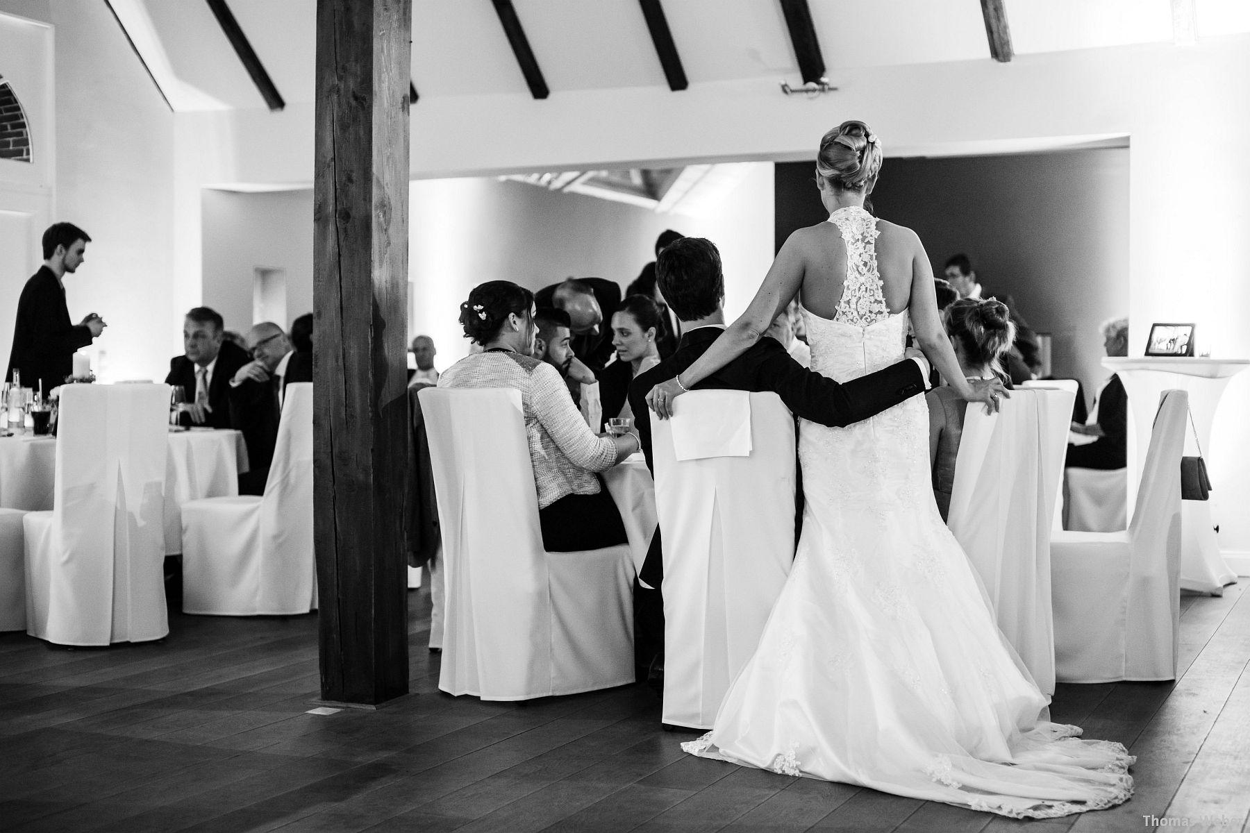 Hochzeitsfotograf Oldenburg: Hochzeit in der Eventscheune St. Georg in Rastede (74)