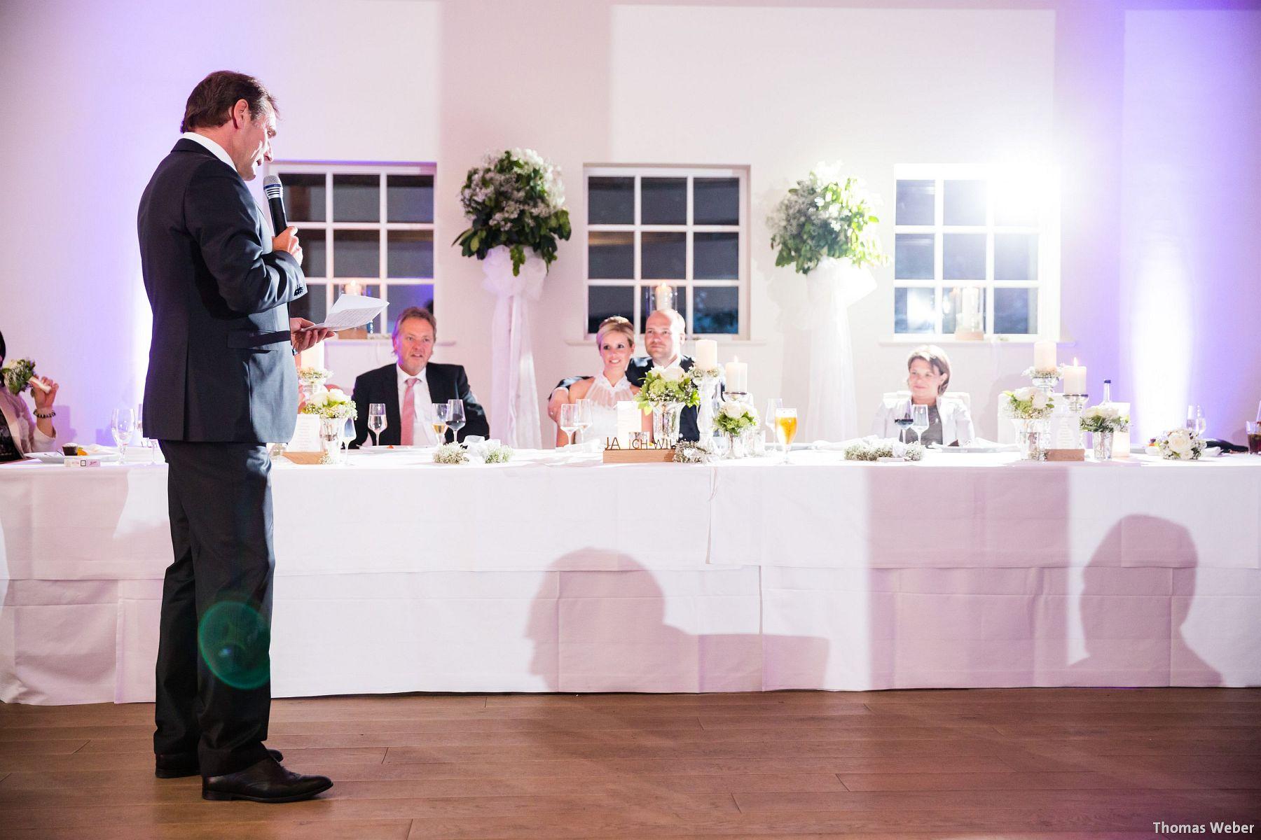Hochzeitsfotograf Oldenburg: Hochzeit in der Eventscheune St. Georg in Rastede (75)