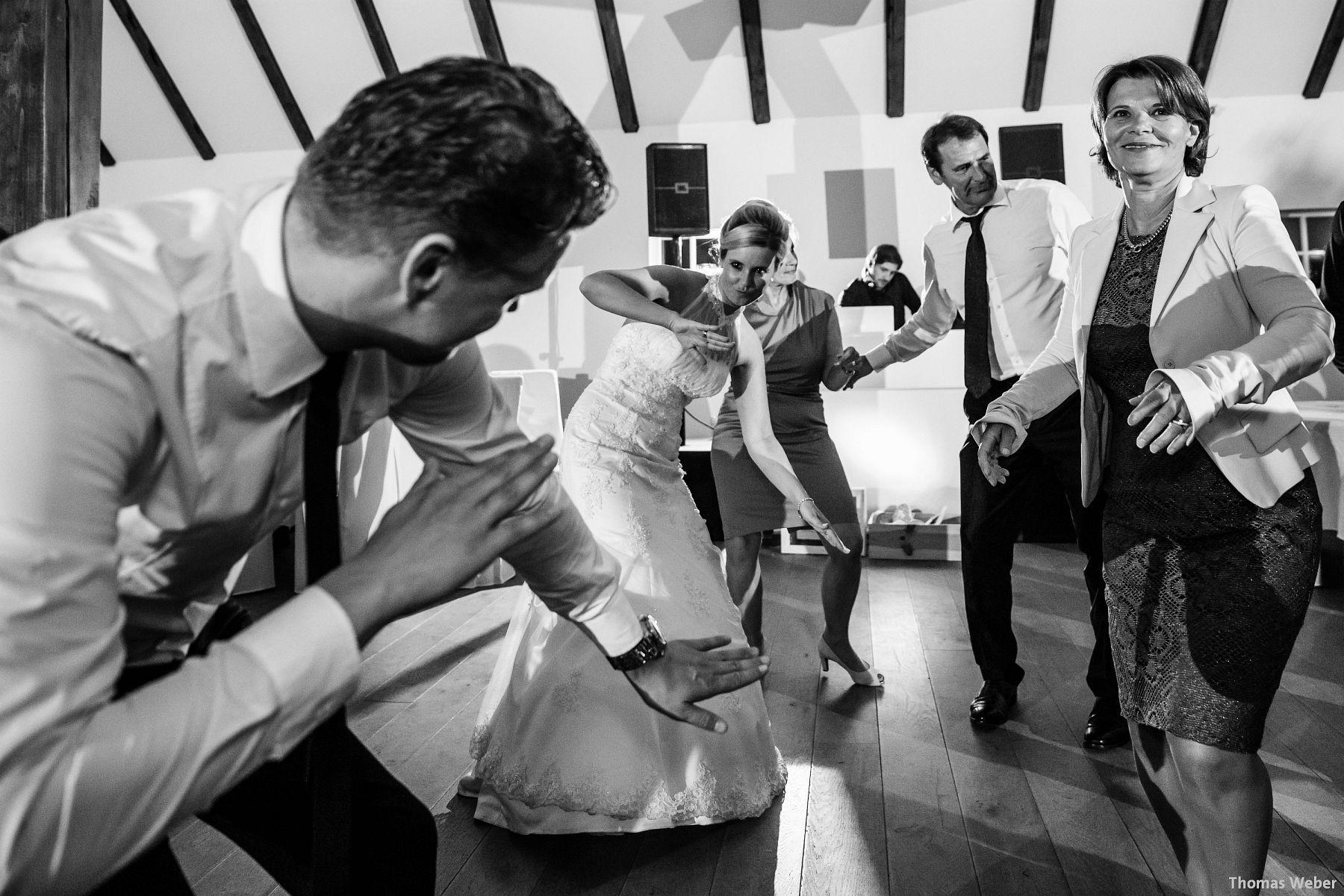Hochzeitsfotograf Oldenburg: Hochzeit in der Eventscheune St. Georg in Rastede (86)