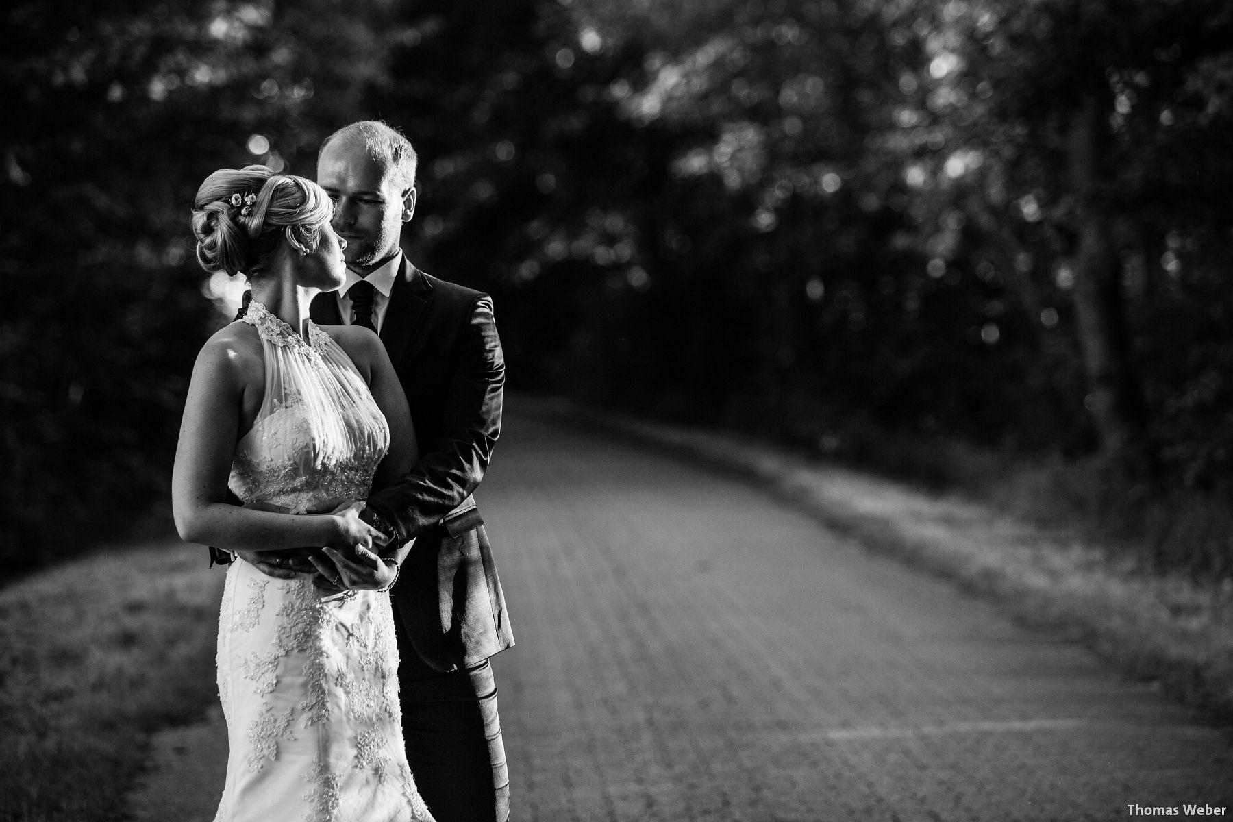 Hochzeitsfotograf Oldenburg: Hochzeit in der Eventscheune St. Georg in Rastede (95)