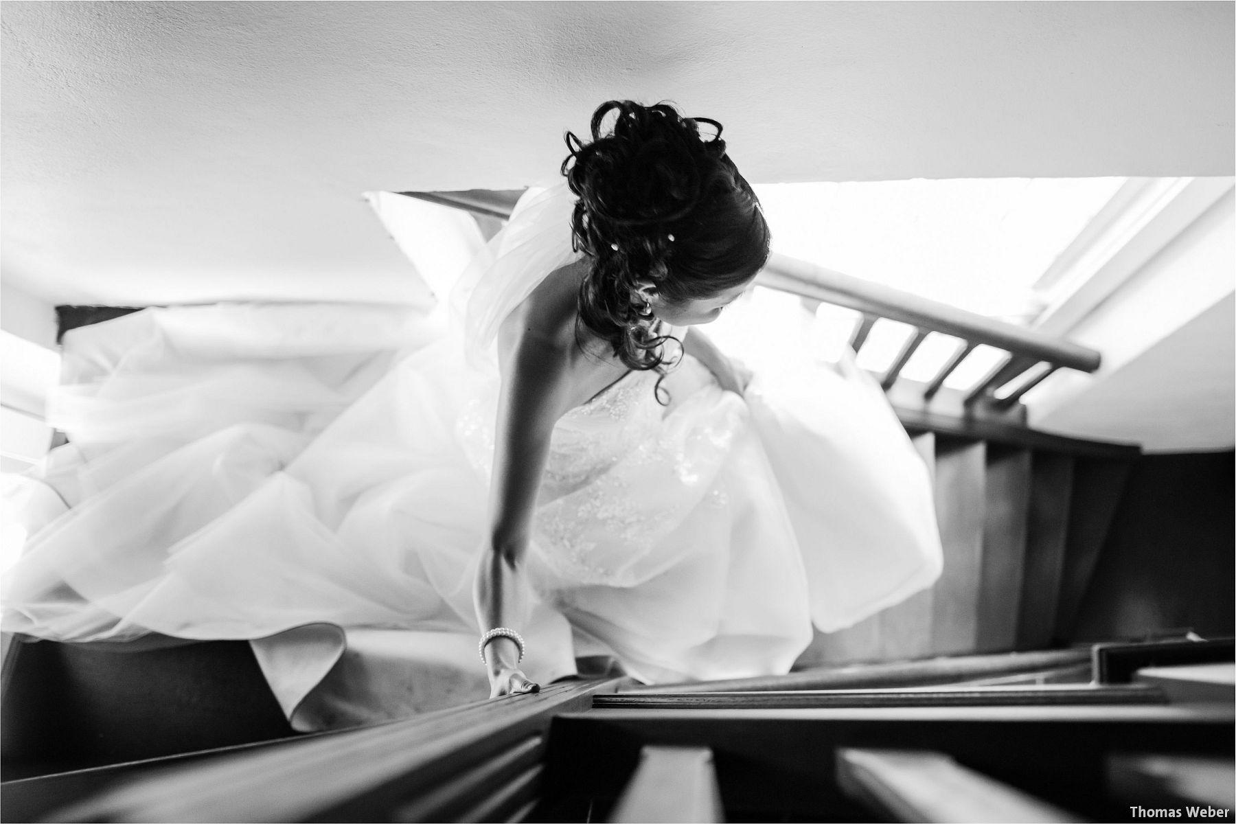 Hochzeitsfotograf Thomas Weber für eine freie Trauung und Hochzeitsfeier in der Schlossruine Hertefeld in Weeze