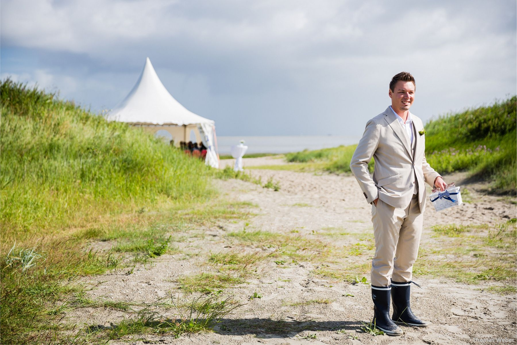 Hochzeit am Strand von Hooksiel und Hochzeitsfeier im Le Patron am Meer in Wilhelmshaven, Hochzeitsfotograf Thomas Weber aus Oldenburg