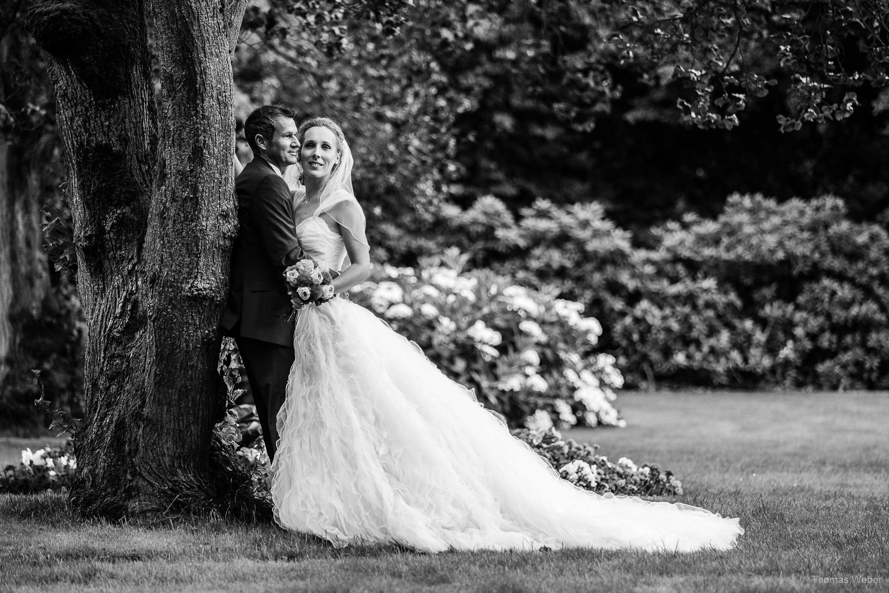 Hochzeitsfotograf auf Wangerooge, Hochzeitsfotos im Park, Hochzeitsfotograf Thomas Weber aus Oldenburg