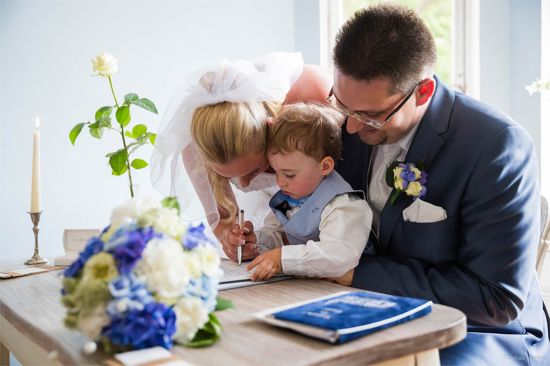 Hochzeitsfotograf bei einer Hochzeit auf Schloss Gamehl an der Ostsee: Die standesamtliche Trauung