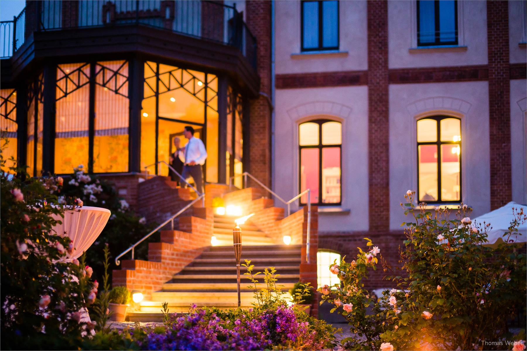 Hochzeitsfotograf bei einer Hochzeit auf Schloss Gamehl an der Ostsee: Hochzeitstanz und Party