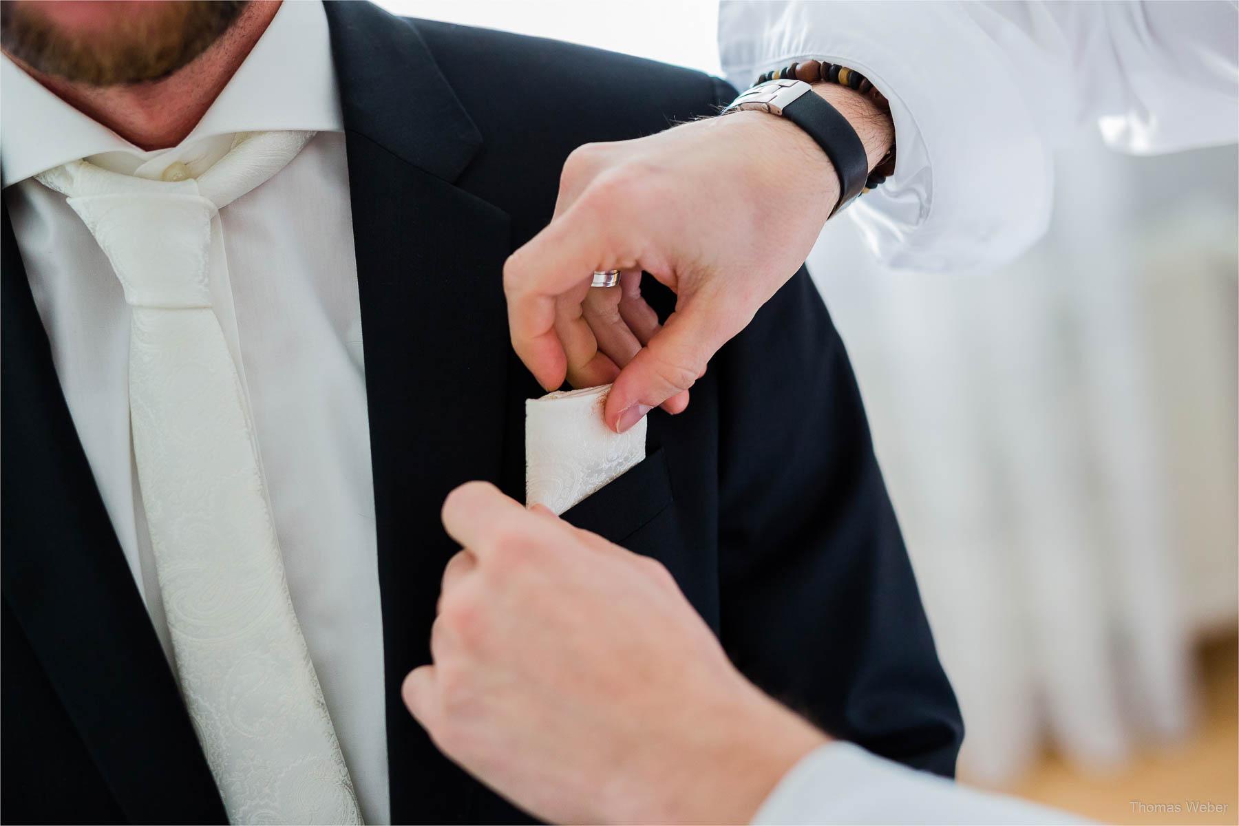 Ankleide vor der Hochzeit, Hochzeitsfotograf Oldenburg, Thomas Weber
