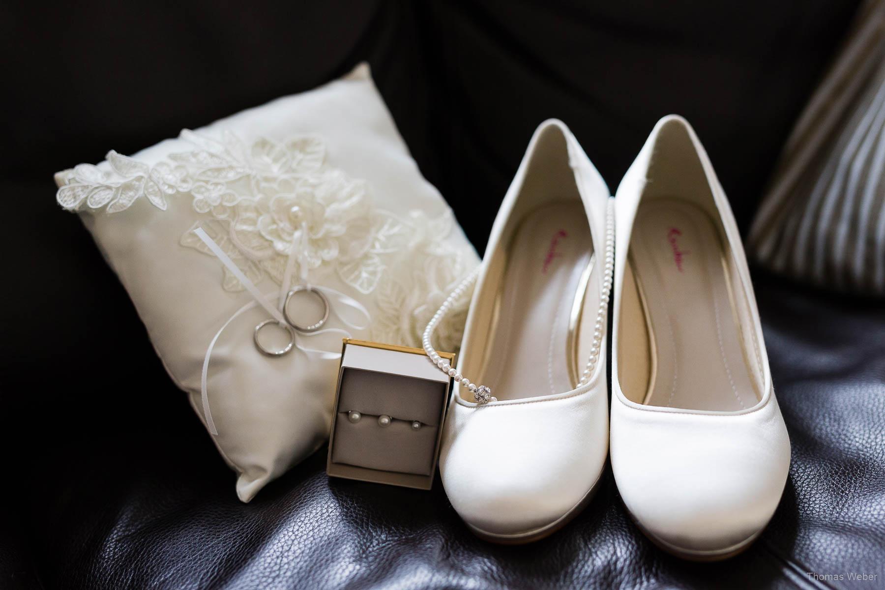 Getting Ready der Braut für die Hochzeit im Standesamt am Pferdemarkt in Oldenburg, Hochzeitsfotograf Oldenburg Thomas Weber